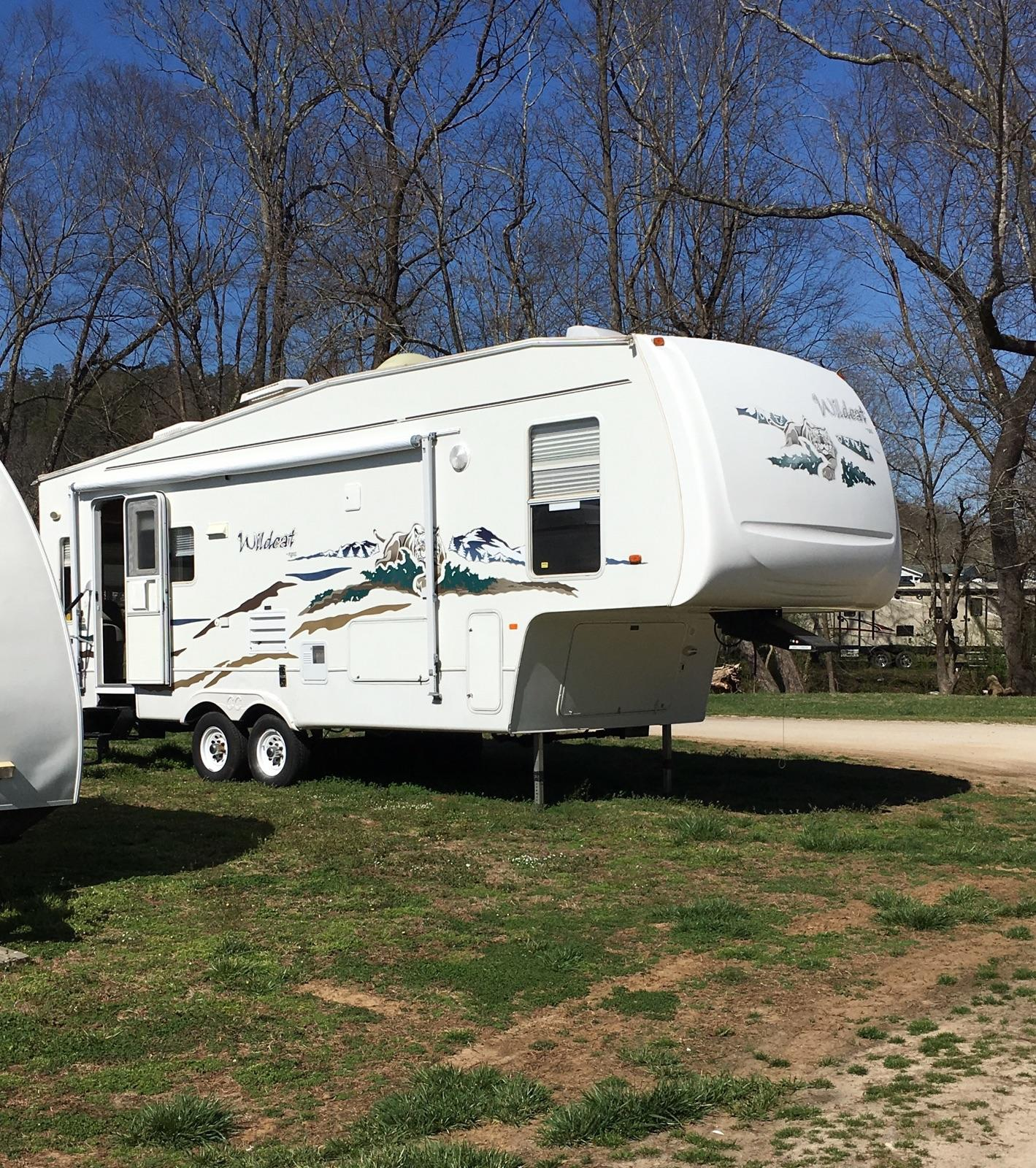This is my beautiful Wildcat 5th wheel. . Forest River Wildcat 2005