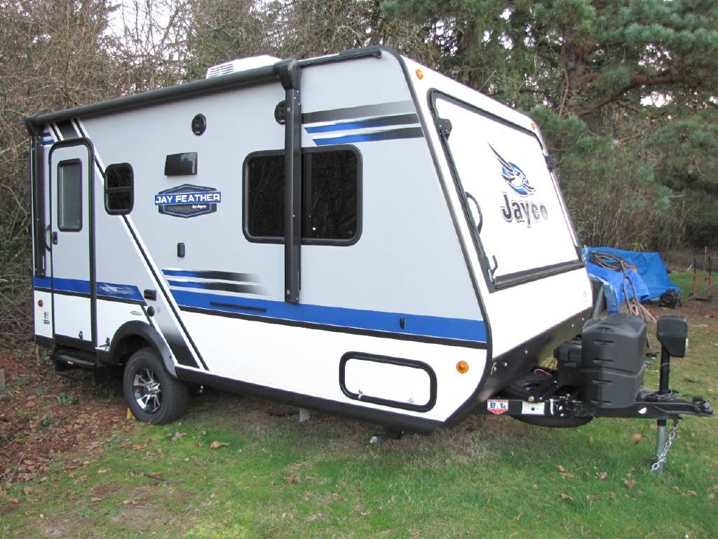 All closed up and easy to tow. Includes power winch tongue.. Jayco Jay Feather Ultra Lite 2018