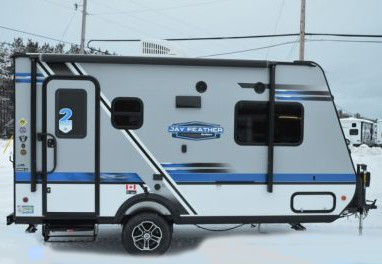 Small and easy to tow.. Jayco Jay Feather Ultra Lite 2018