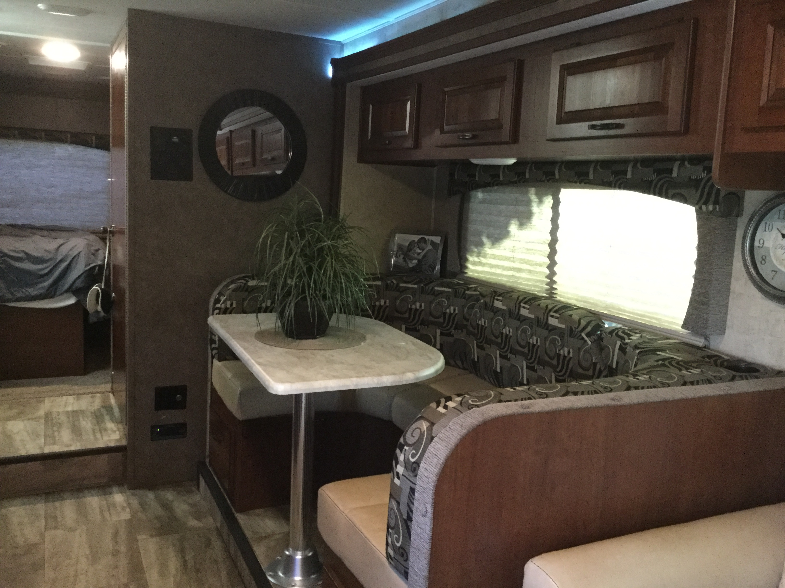 Forest River Sunseeker 2017