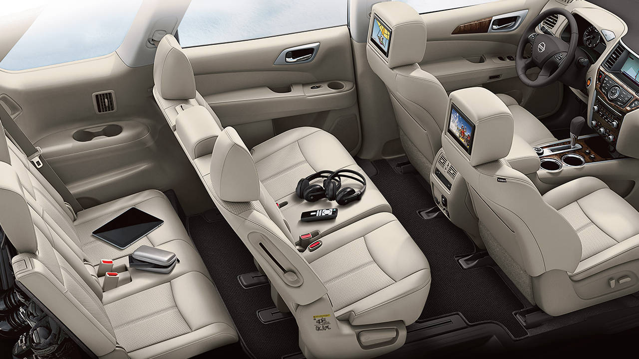 Seats for seven people. Great for families. No leather nor monitors as show stock photo.. Nissan Pathfinder 2016