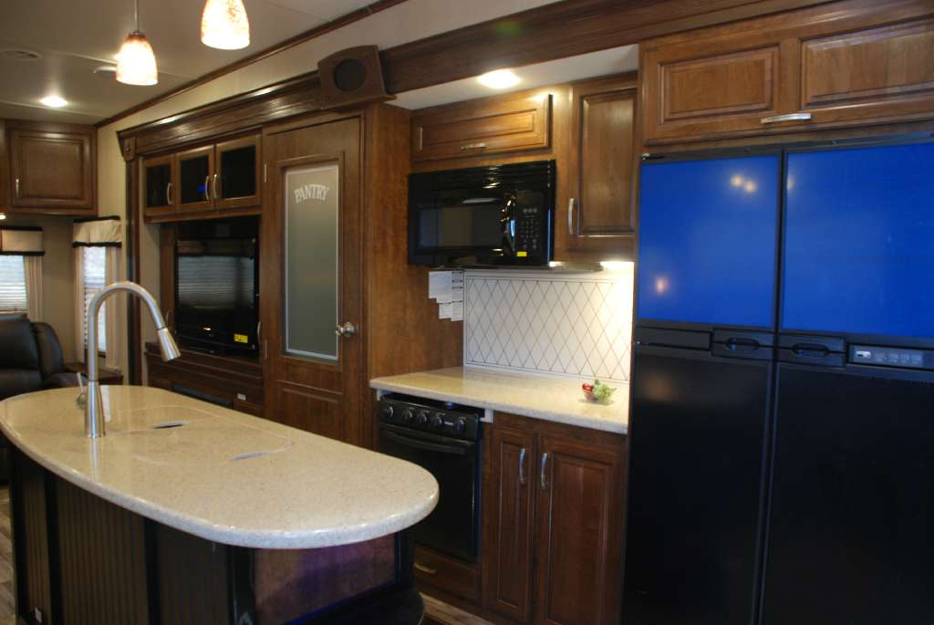 2016 Coachmen Brookstone Fifth Wheel Rental in Fremont, CA
