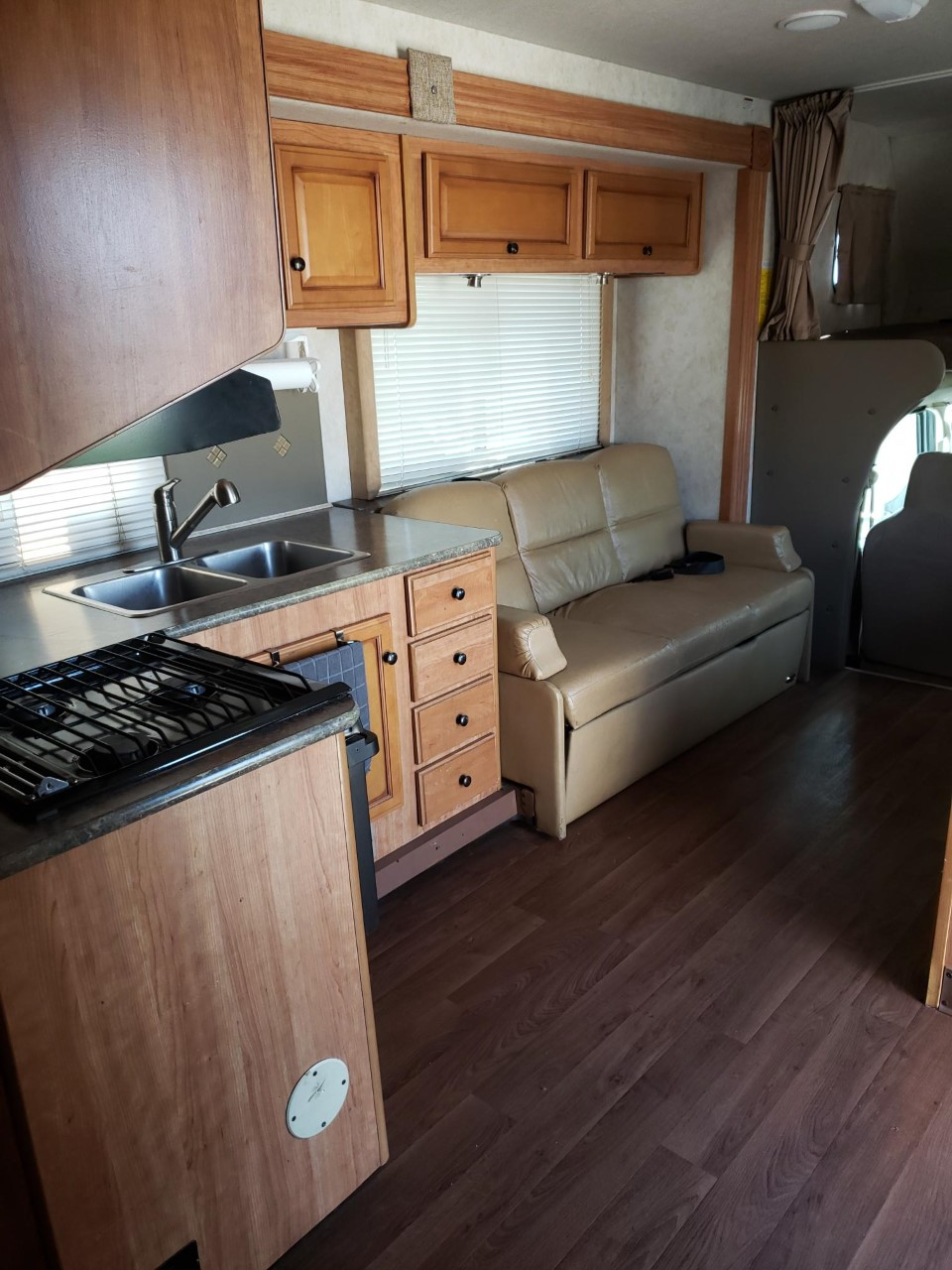 Fold out sofa bed and kitchen. . Ford E450 2012