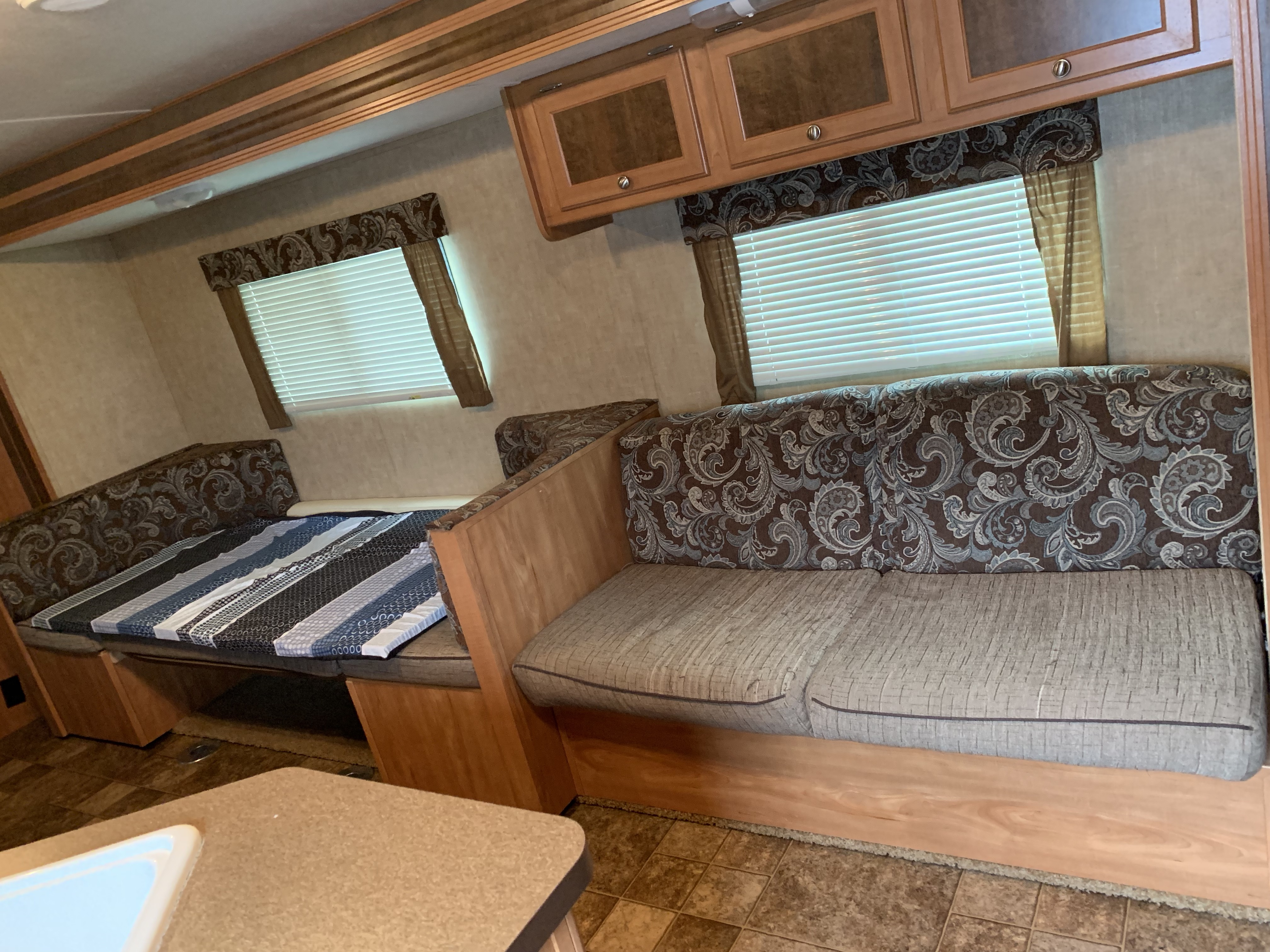 Couch & dinning table/Double Bed. Shasta Oasis 2014