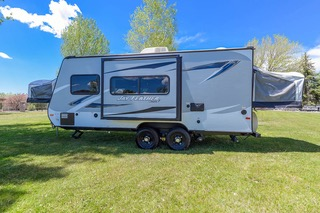 Spacious with two double bed pop outs and a slide out. Jayco Jay Feather Ultra Lite 2017