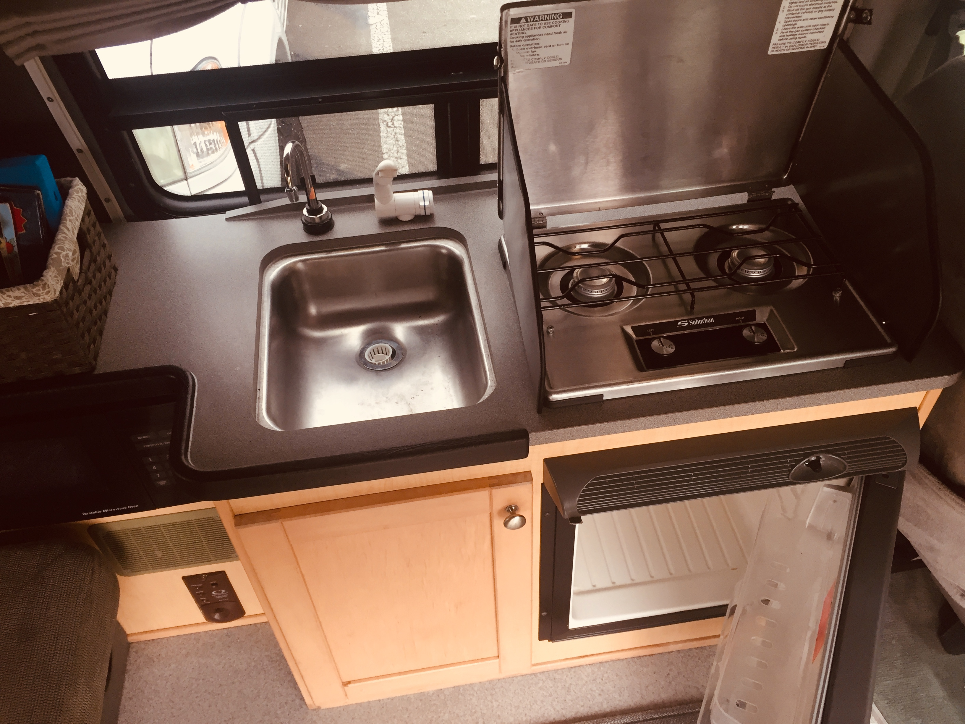 Sink, stove, refrigerator. Pleasure Way Traverse 2005