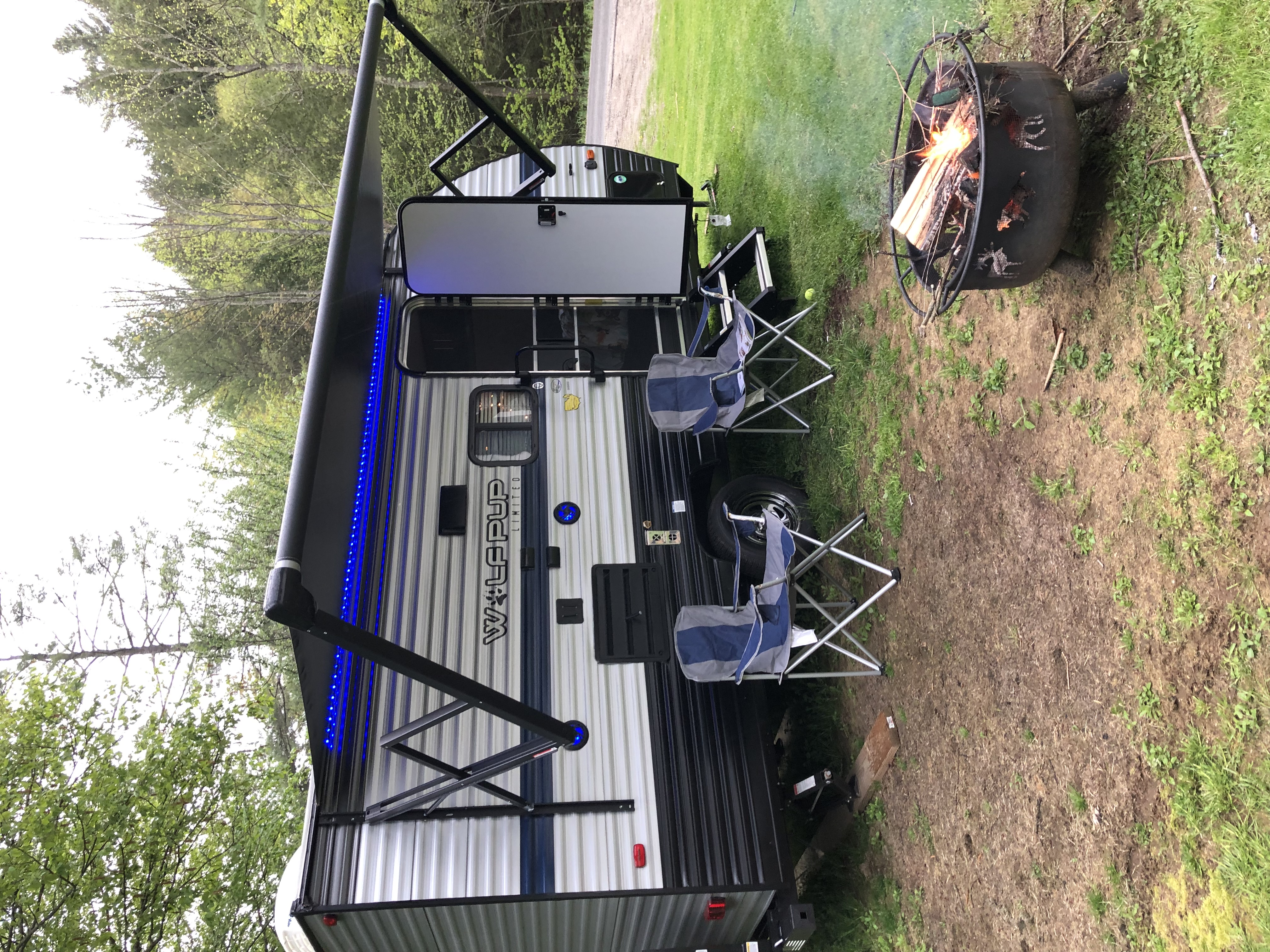 Power awning and outdoor speakers make this a great place to hang out in all kinds of weather. Forest River Cherokee Wolf Pup 2019