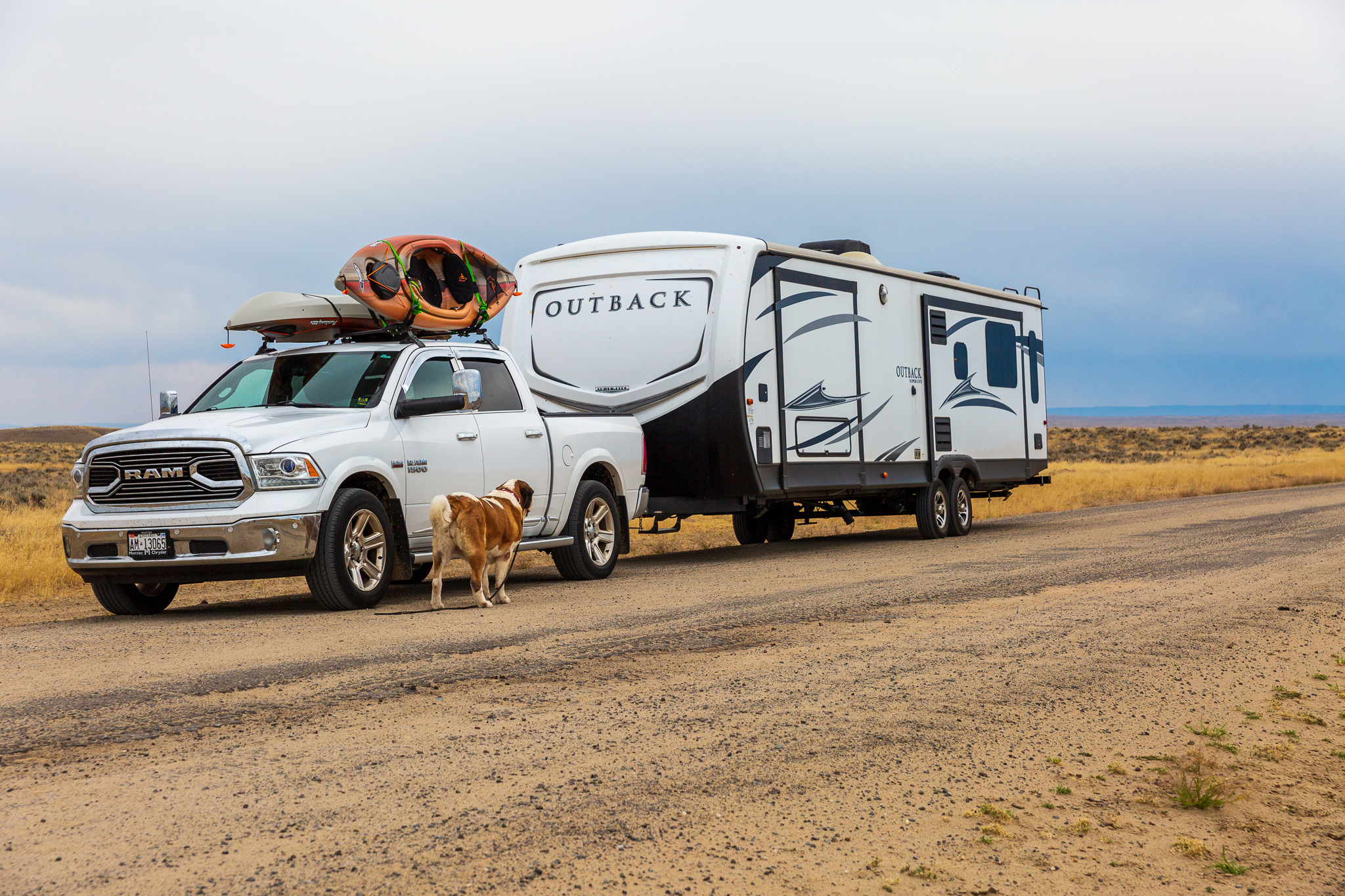 Towing is assisted with Blue Ox anti-sway, weight distribution hitch.. Keystone Outback 2017