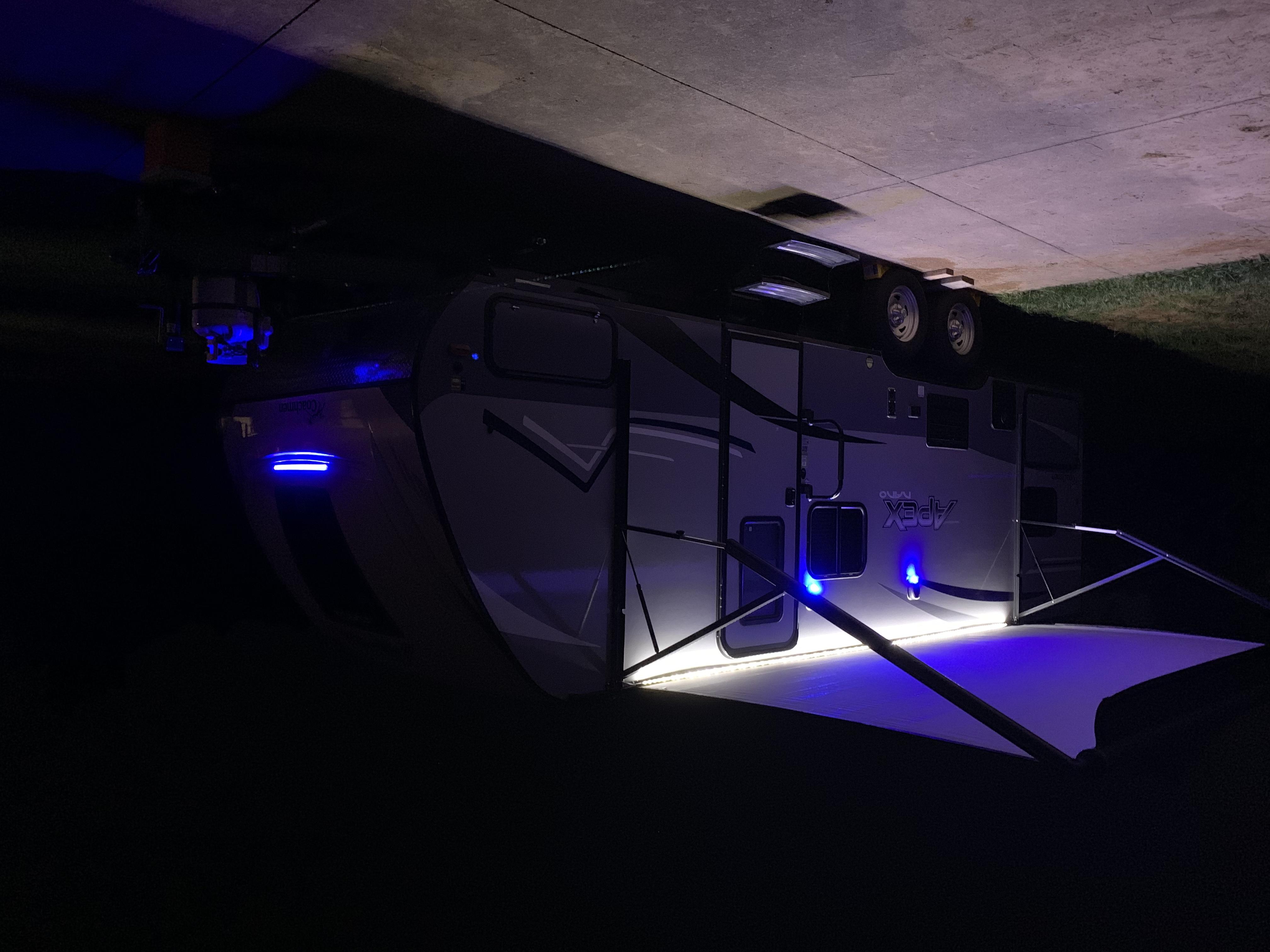 Coachmen Apex Nano 208BHS 2019