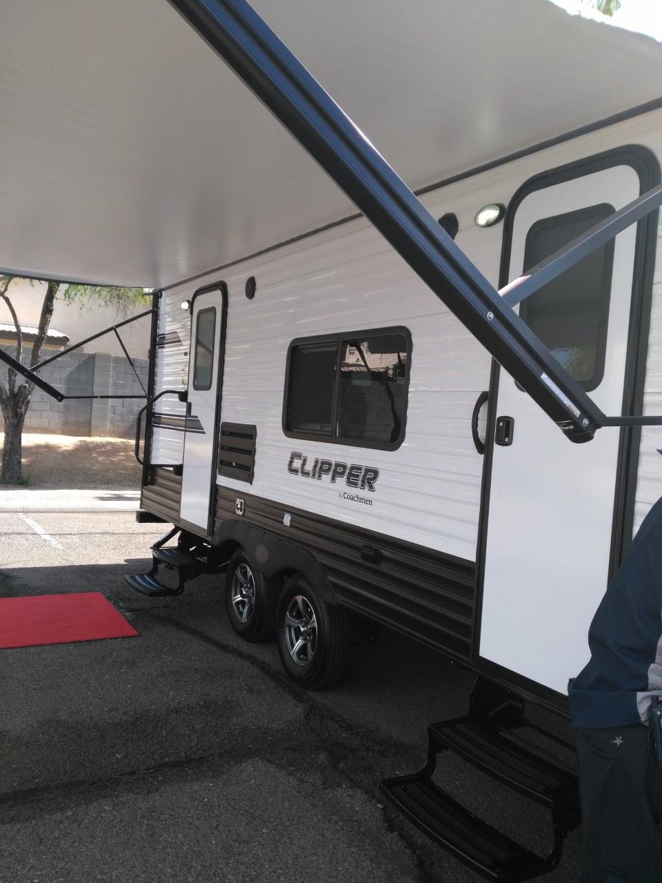 Sun Shade. Coachmen Ultralite Clipper 21FQS 2019