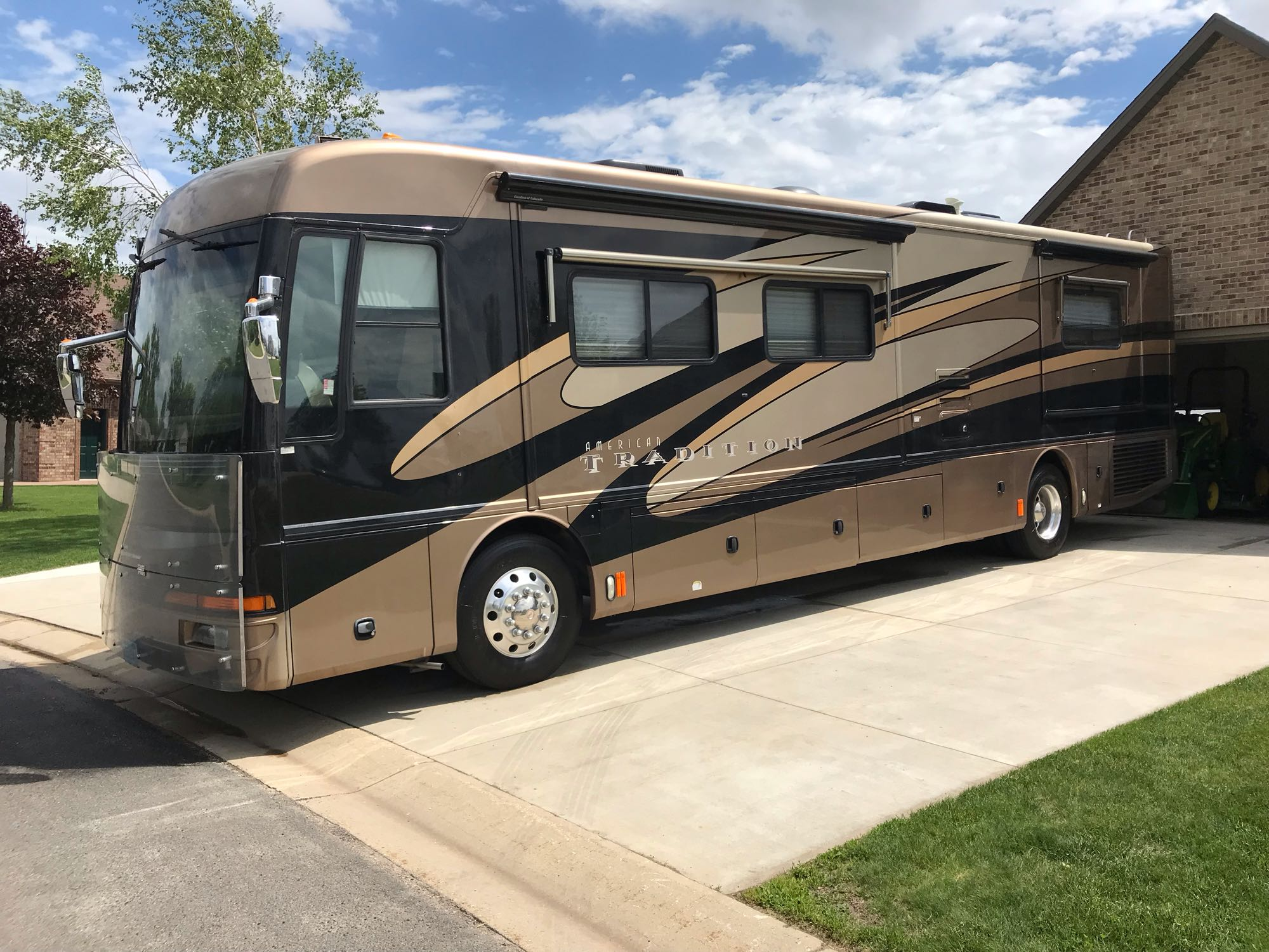 American Coach 40ft. Luxury Coach 2006