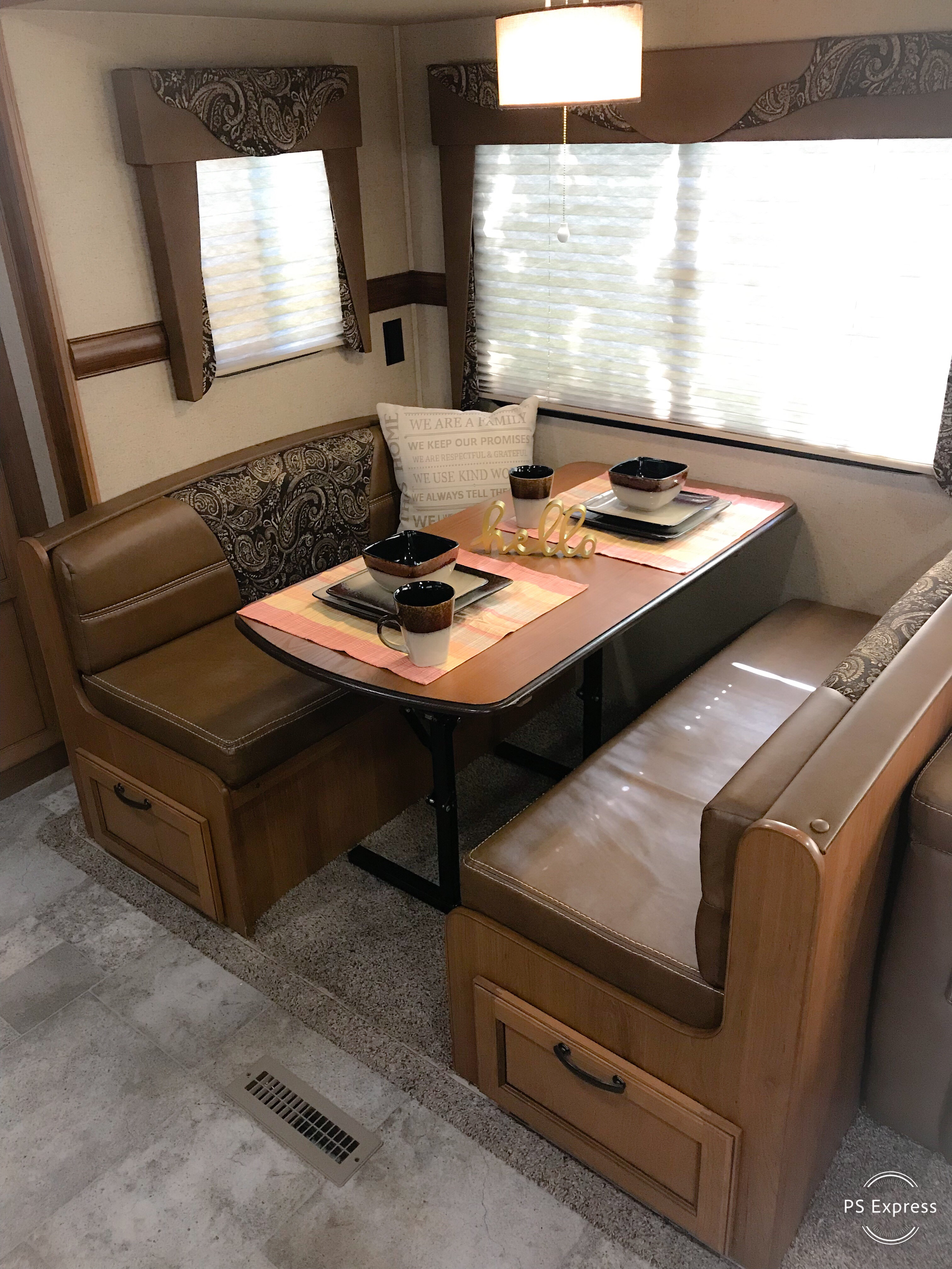 Large leather dinette which converts into full size bed. Linens included. . Crossroads Sunset Trail Super Lite 2016