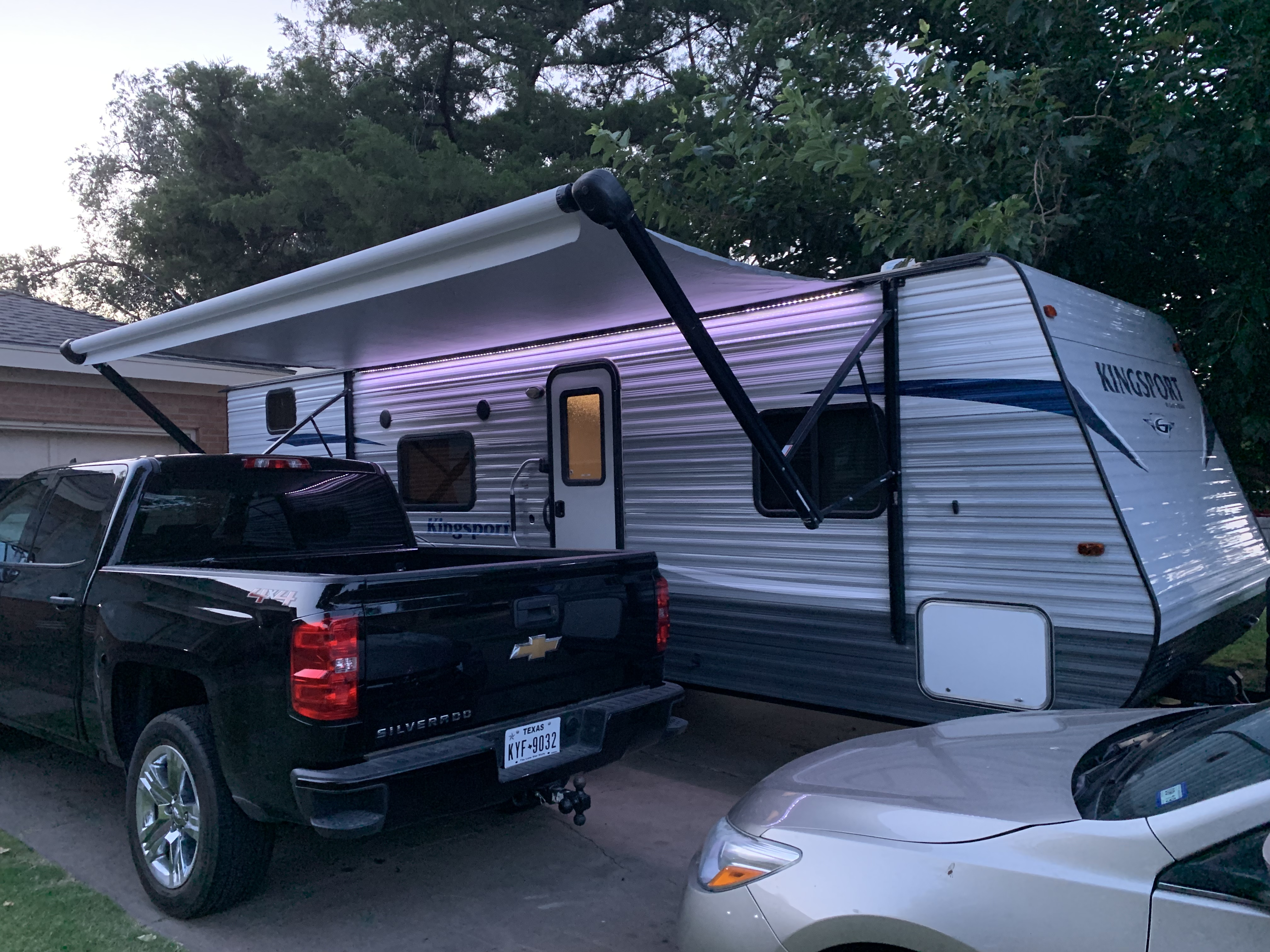 Awning with LED lighting . GulfStream Kingsport 2018