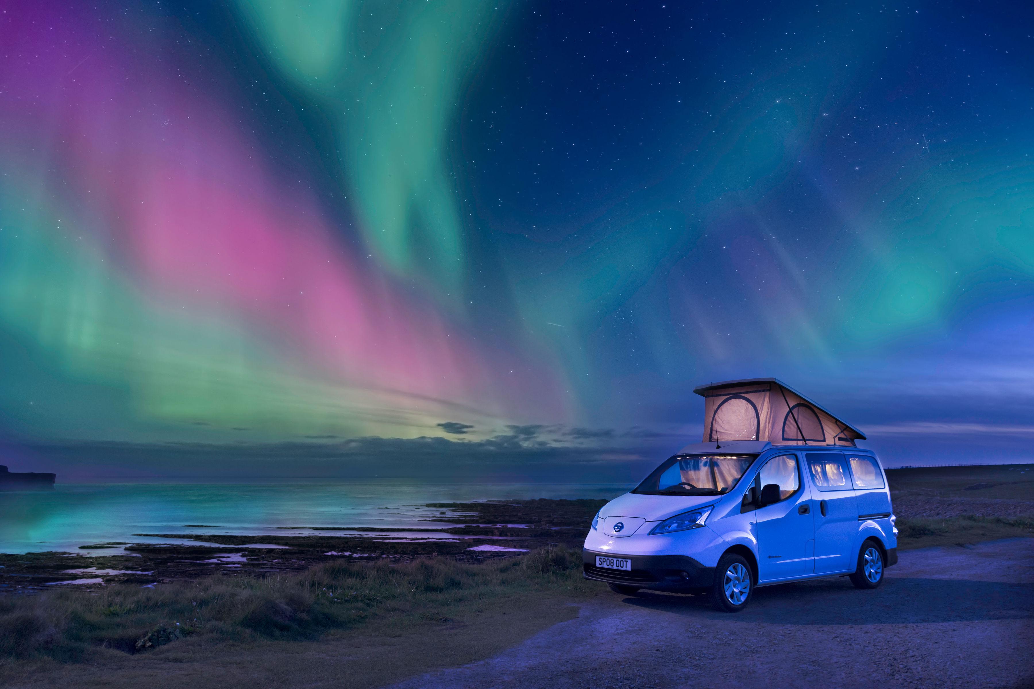 Northern Lights. Nisaan Env200 2019