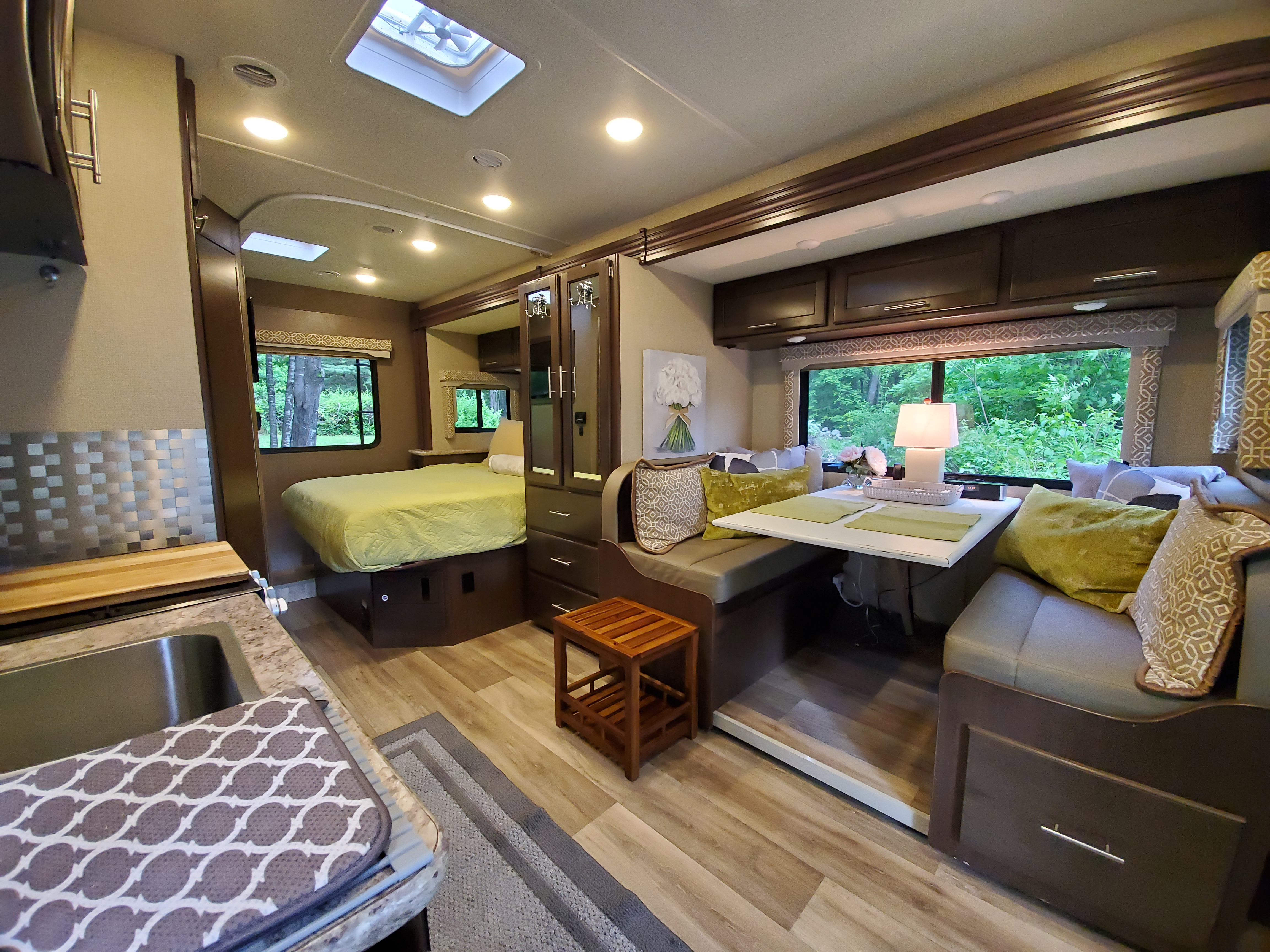 Super wide angle shot of the interior.. Thor Motor Coach Freedom Elite 2019