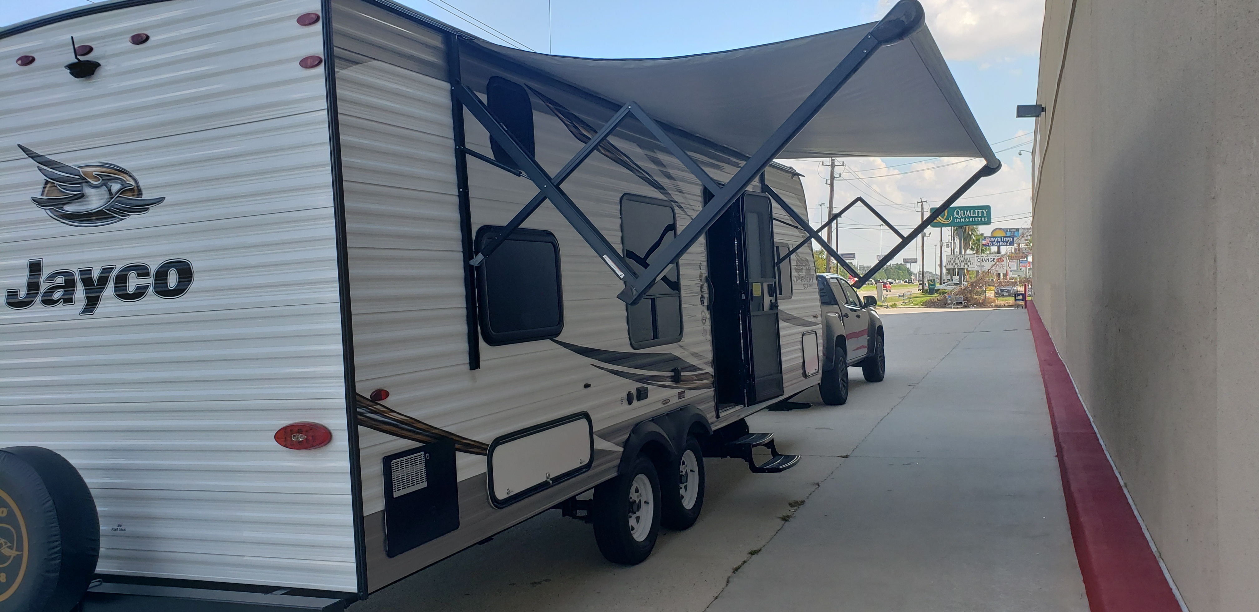 Awning fully extended.. Jayco Flight 2019
