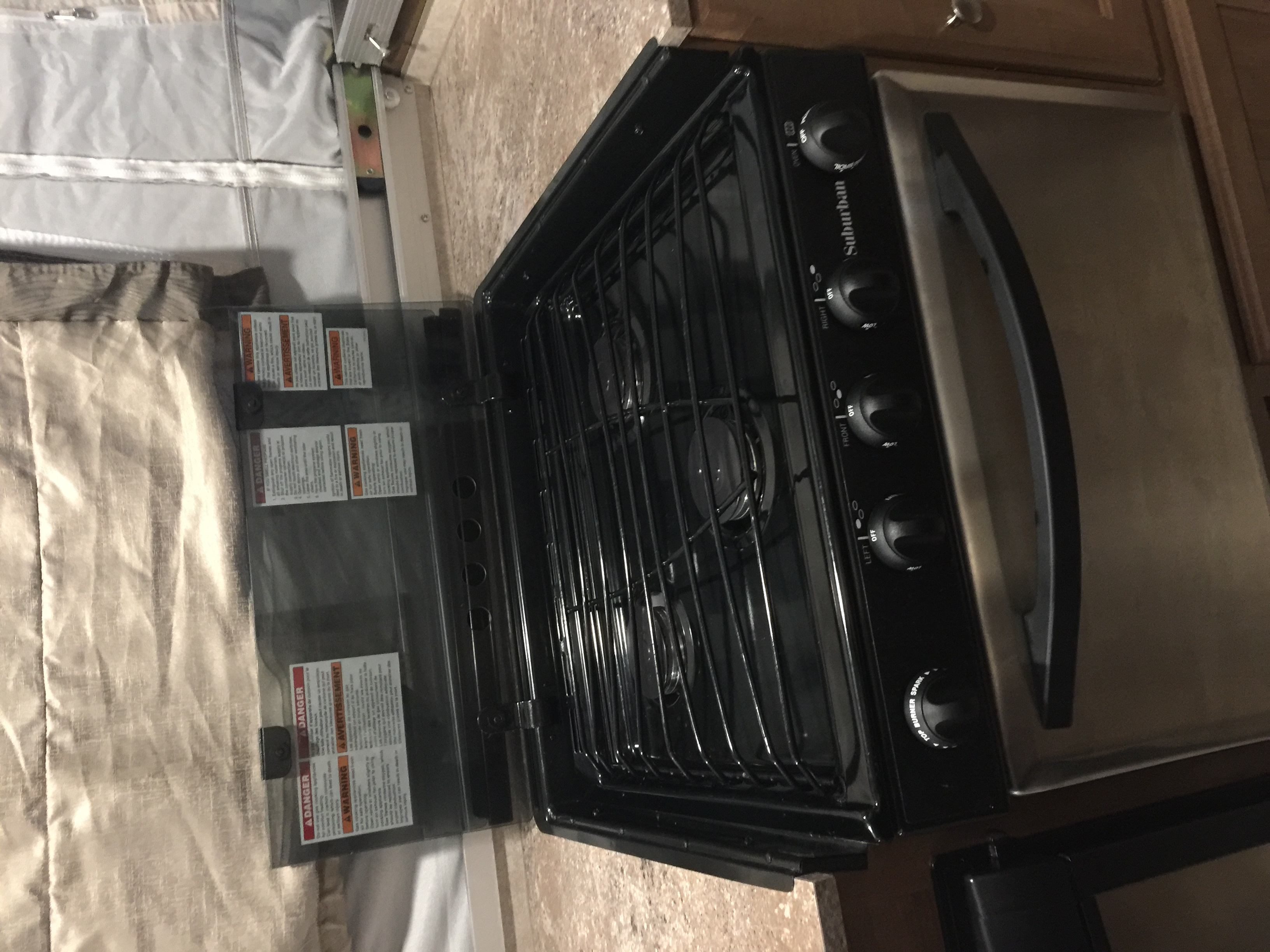 3 burner stove. Flagstaff High Wall pop up 2017