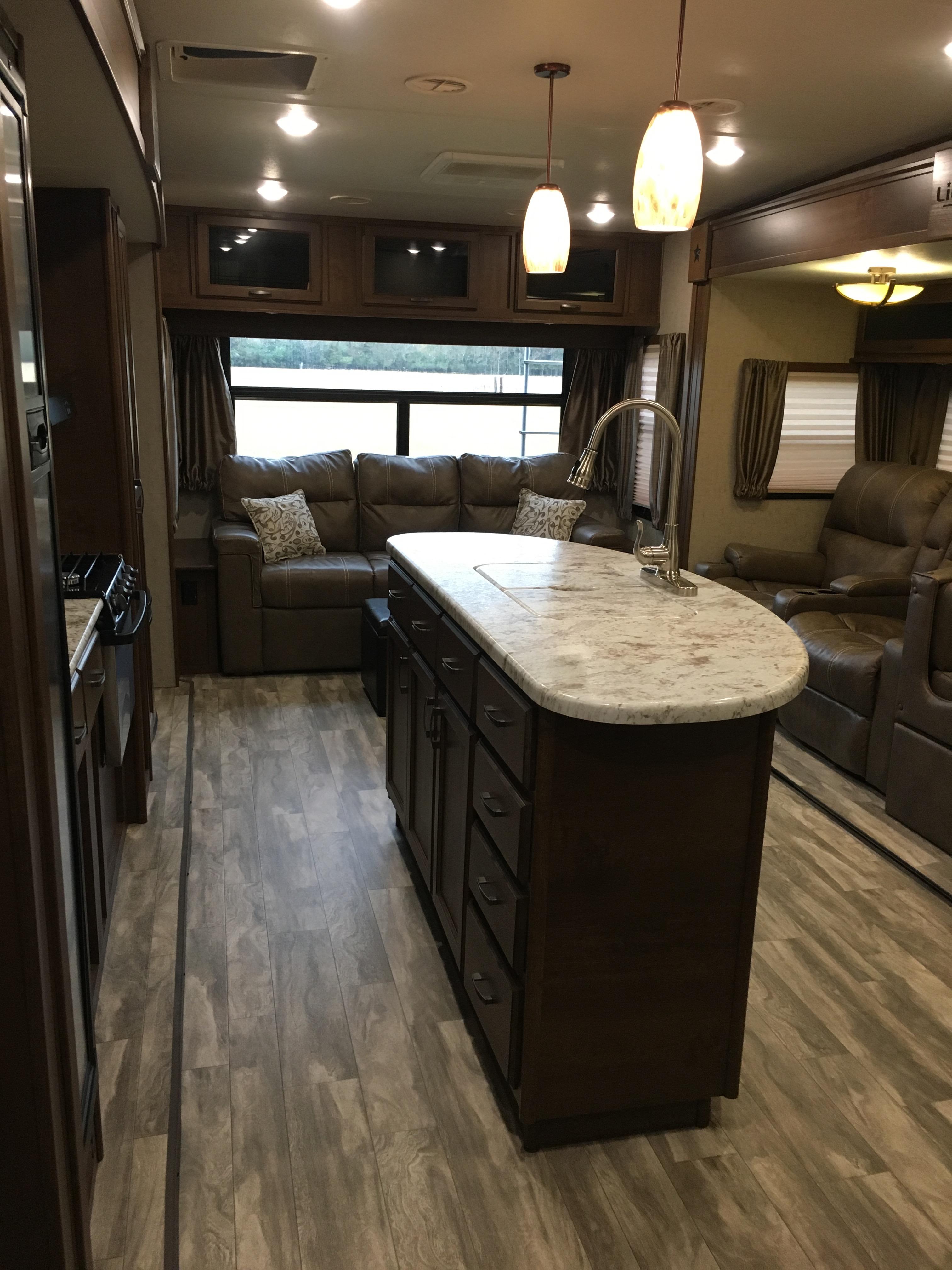 Spacious living room/kitchen. Open Range Light 2017