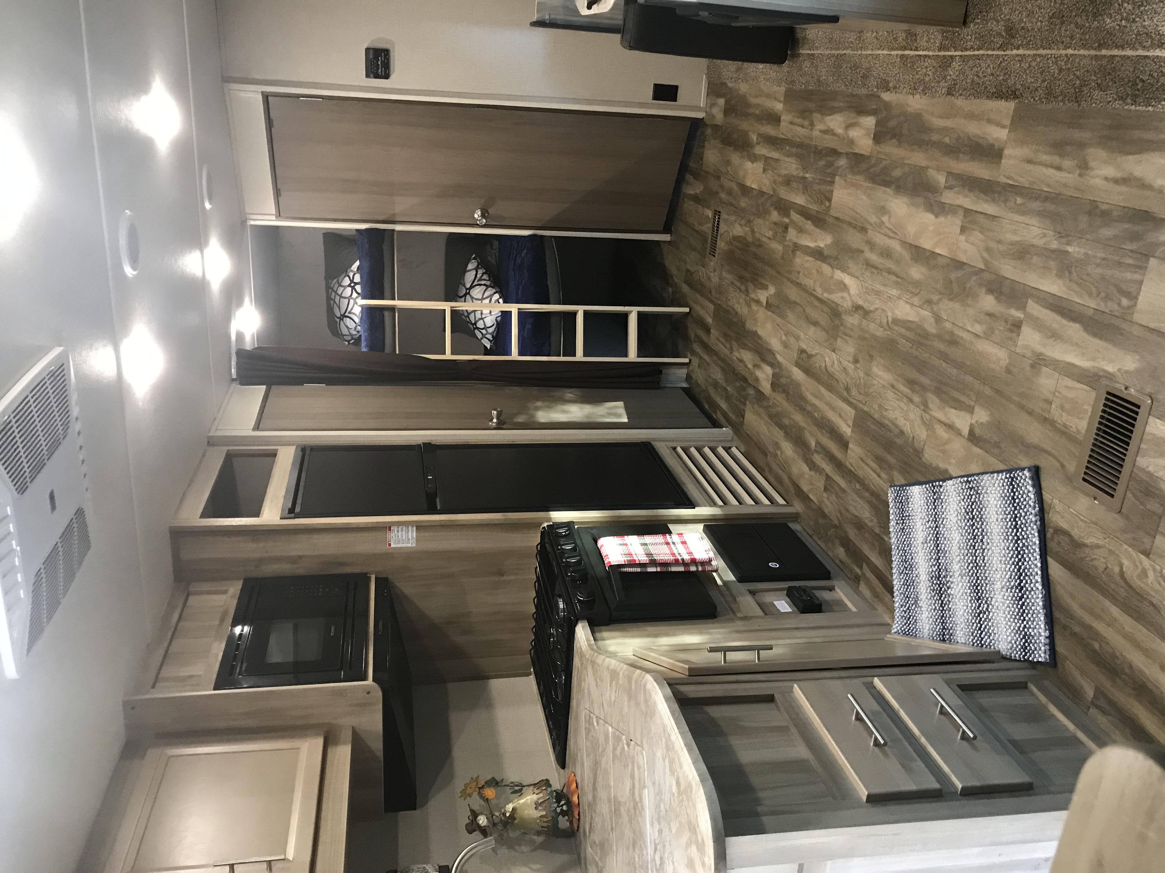 Main Living Area. Coachmen Catalina 2020