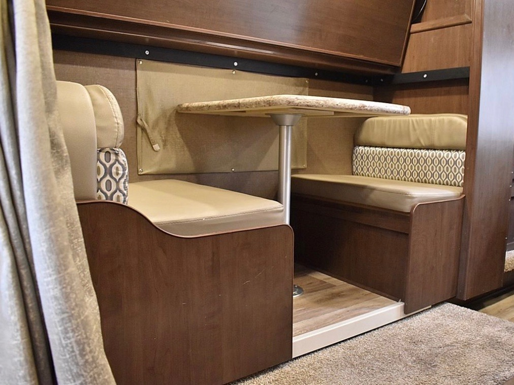 Bunkhouse dinette , perfect for extra seating during meal time.. Thor Motor Coach Freedom Elite 2019