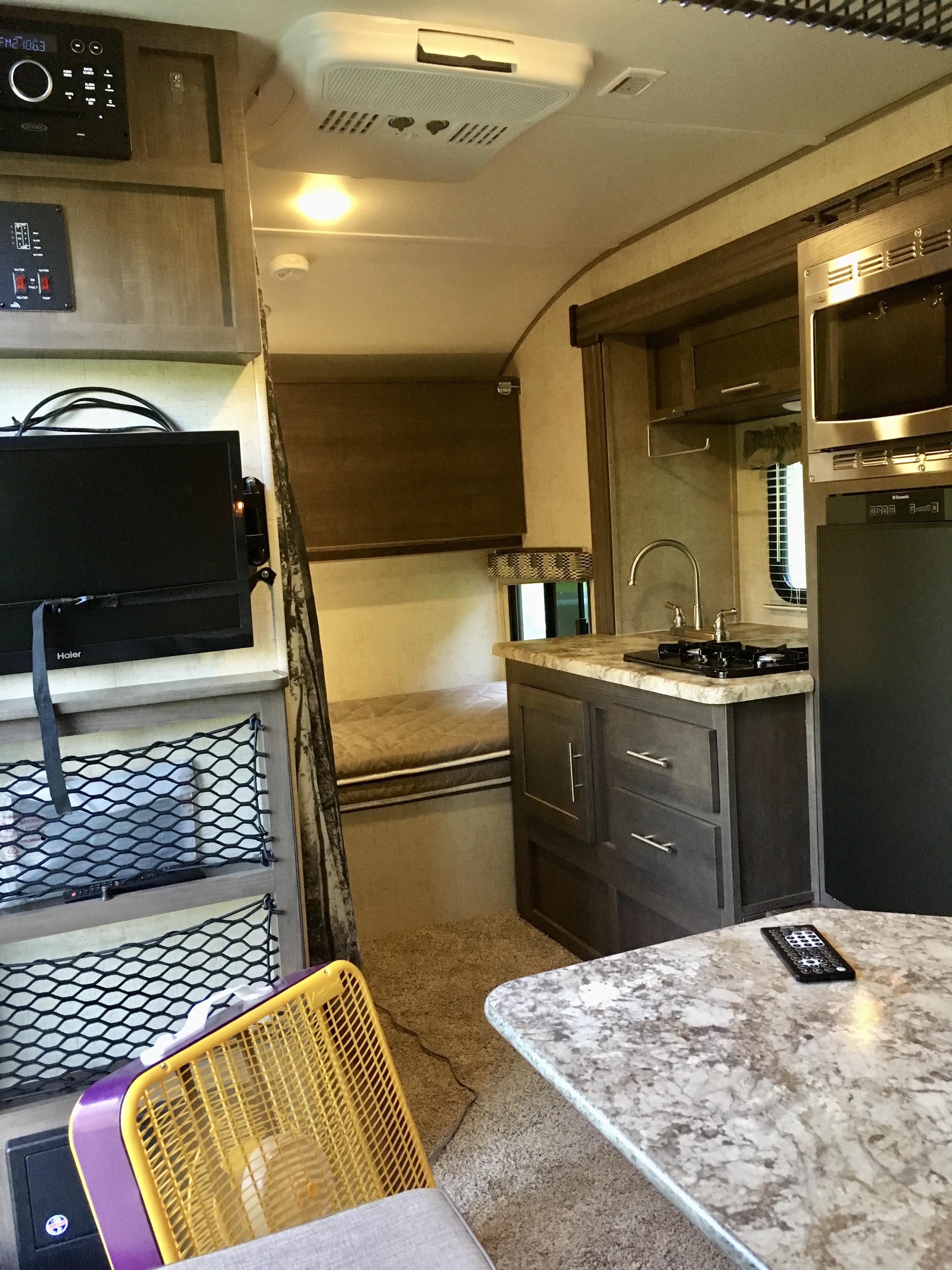 Kitchen/twin bed/indoor bath. ForestRiver R-Pod 2017