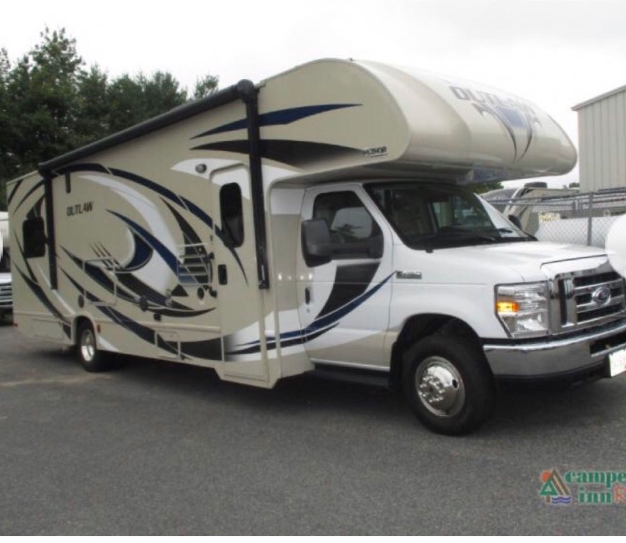 This Outlaw is a wicked cool RV. Thor Motor Coach Outlaw toy hauler 2017