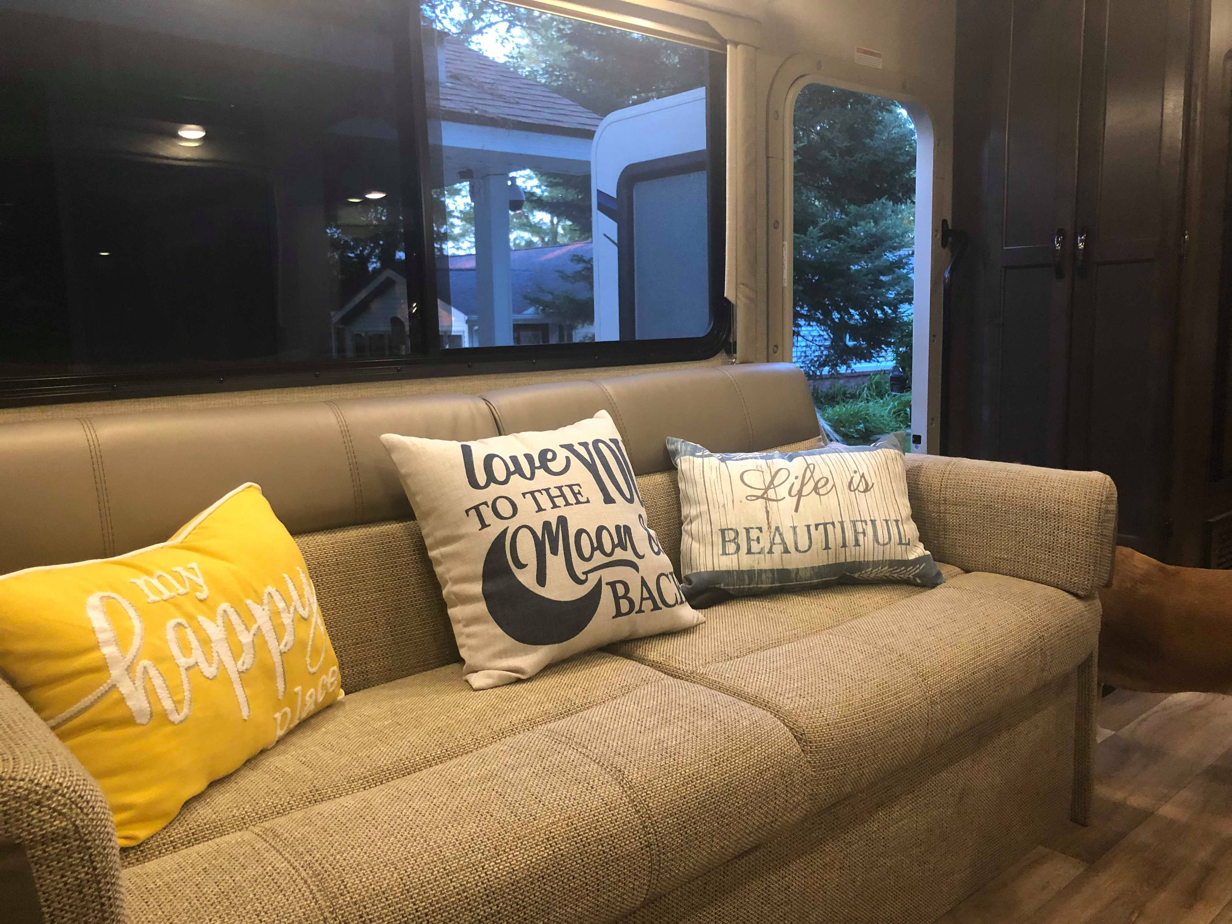 Convertible couch that can seat 3 or sleep 1 or 2.. Thor Motor Coach Freedom Elite 2019