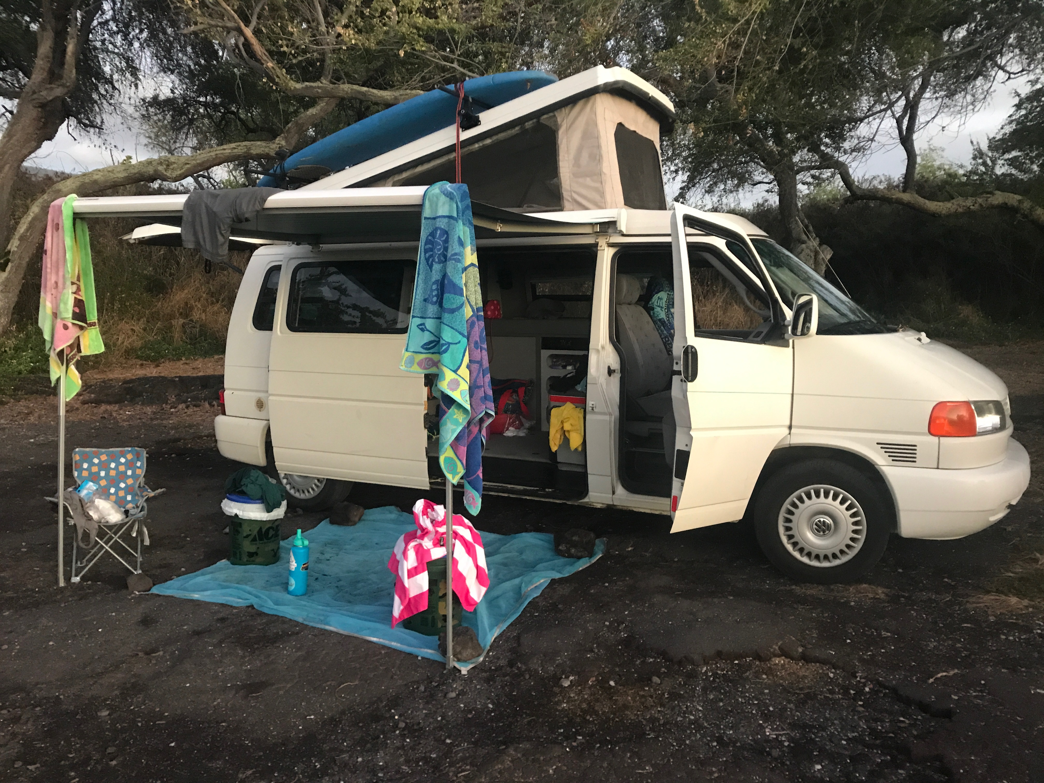 Eurovan set up at the beach. Go to sleep and wake up to the sound of the ocean!. Volkswagen Westfalia 1999