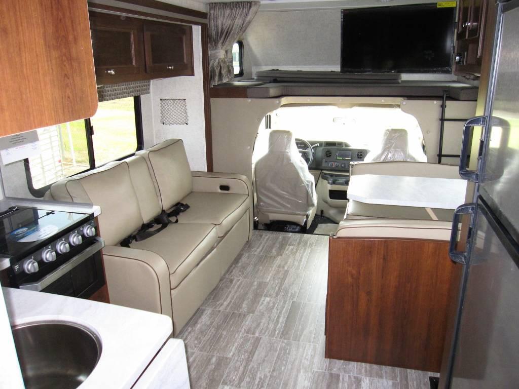 Cockpit / Living Room. Forest River Sunseeker 2018