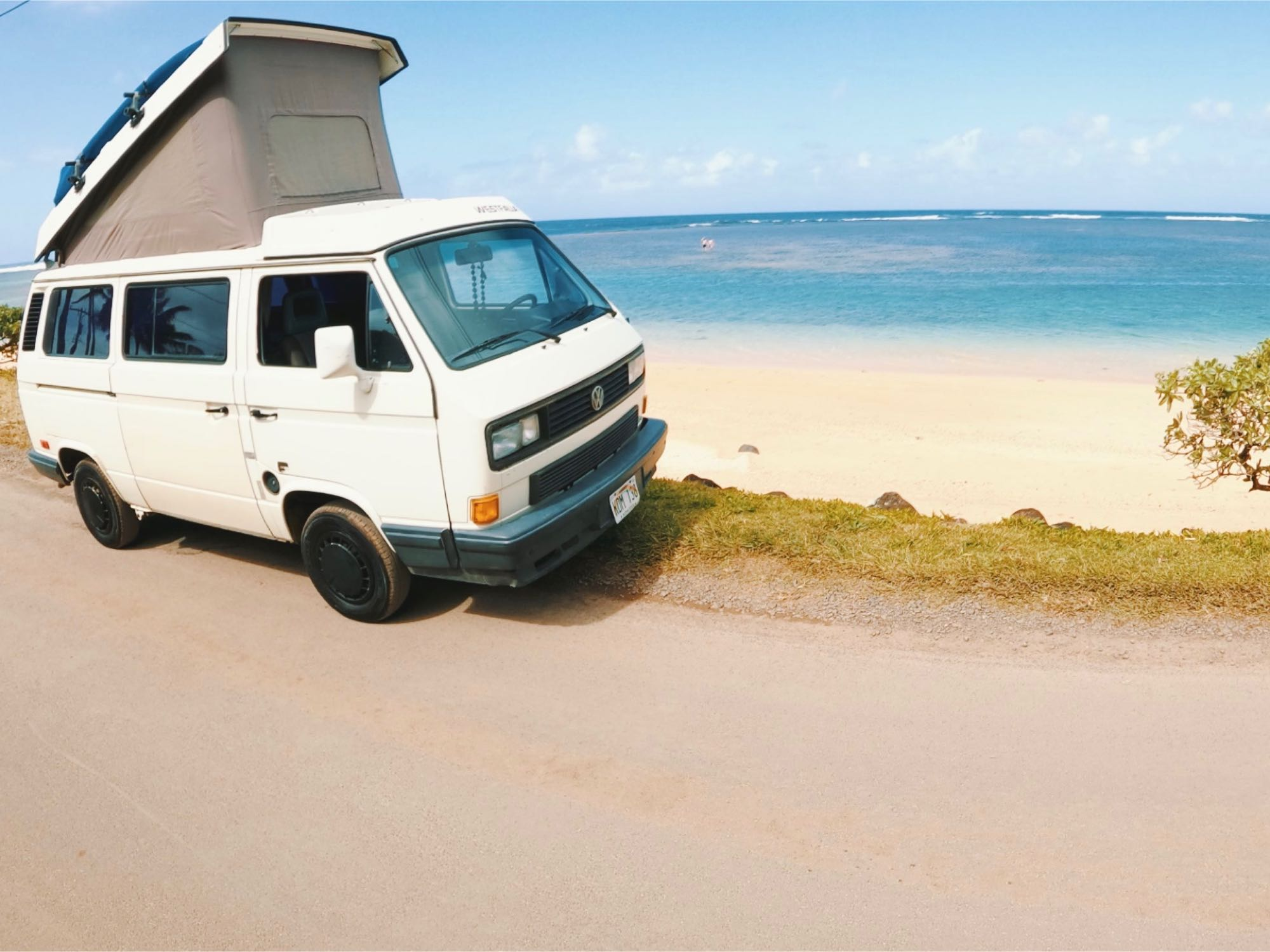 Pop the top, and enjoy! Even comes with a surfboard(s) and snorkel gear!. Volkswagen Vanagon 1990
