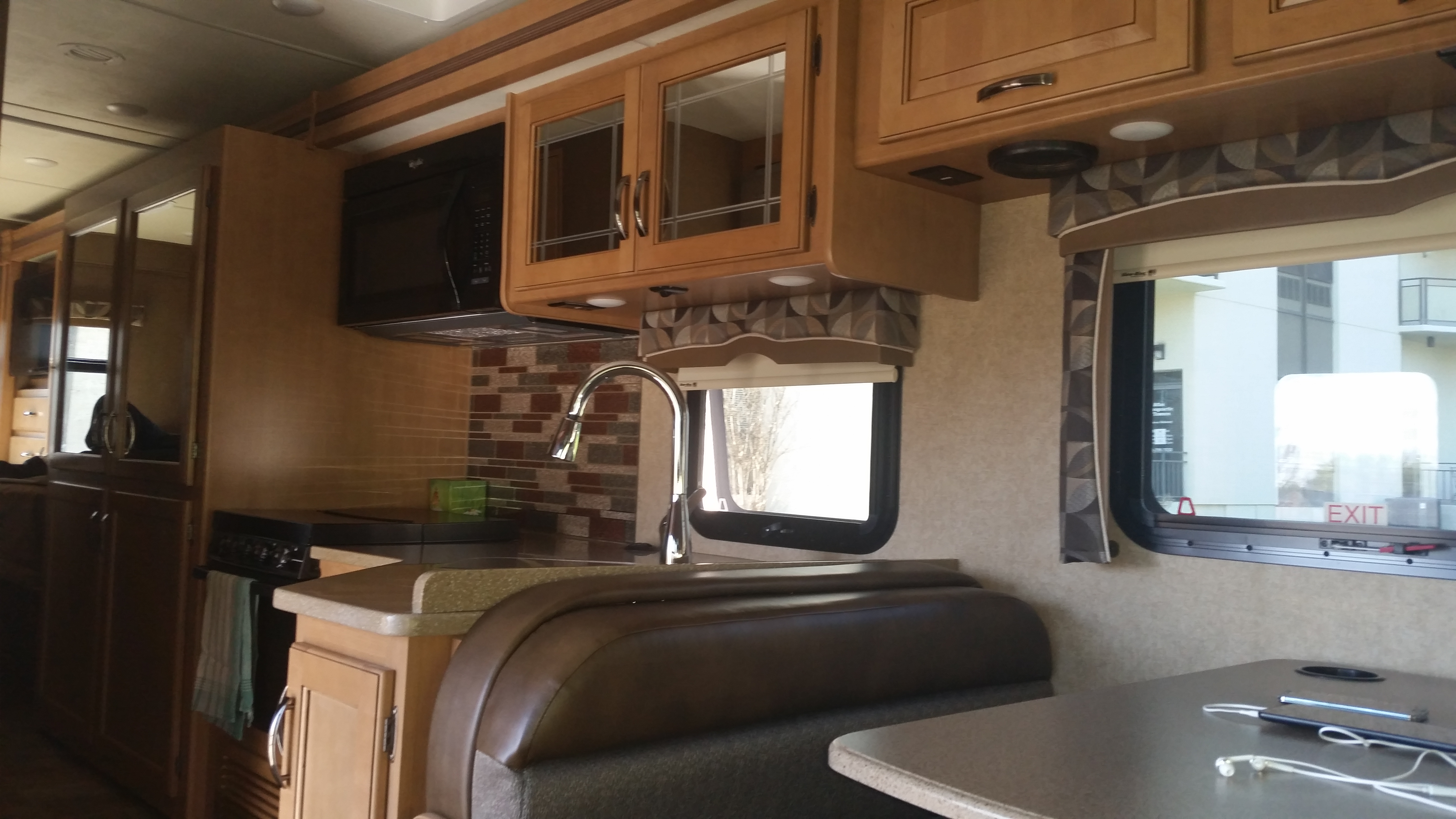 Dining and Kitchen. Thor Motor Coach Chateau 2016