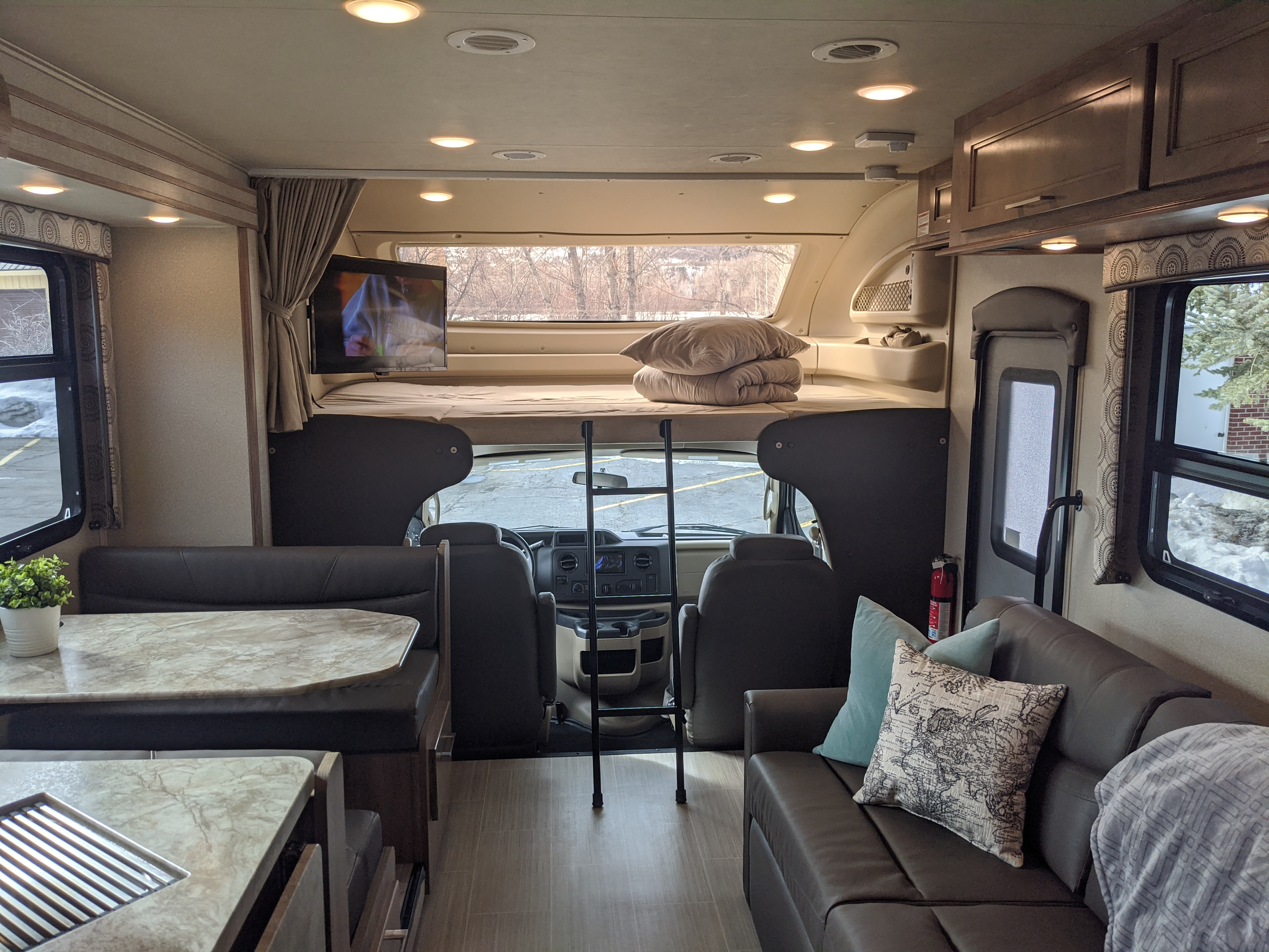 Entegra Coach Odyssey 31F 2020