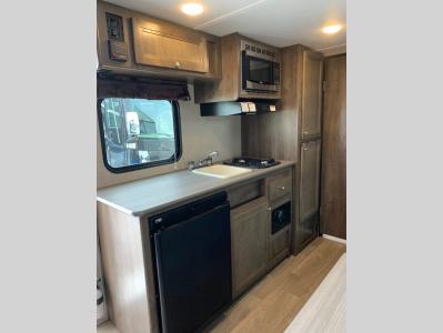 Kitchen. Dutchmen Coleman 2018