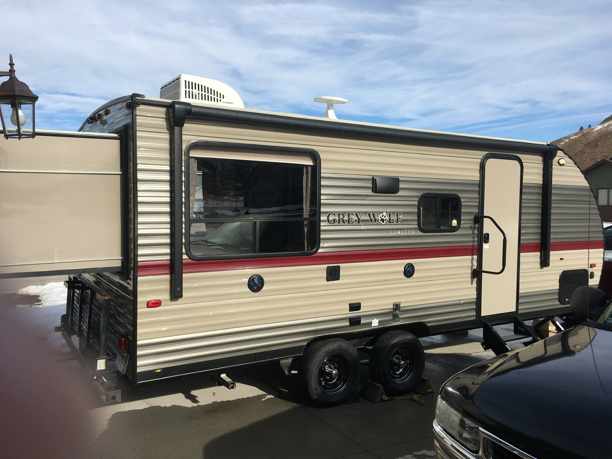 rear popout. Forest River Cherokee Grey Wolf 2018
