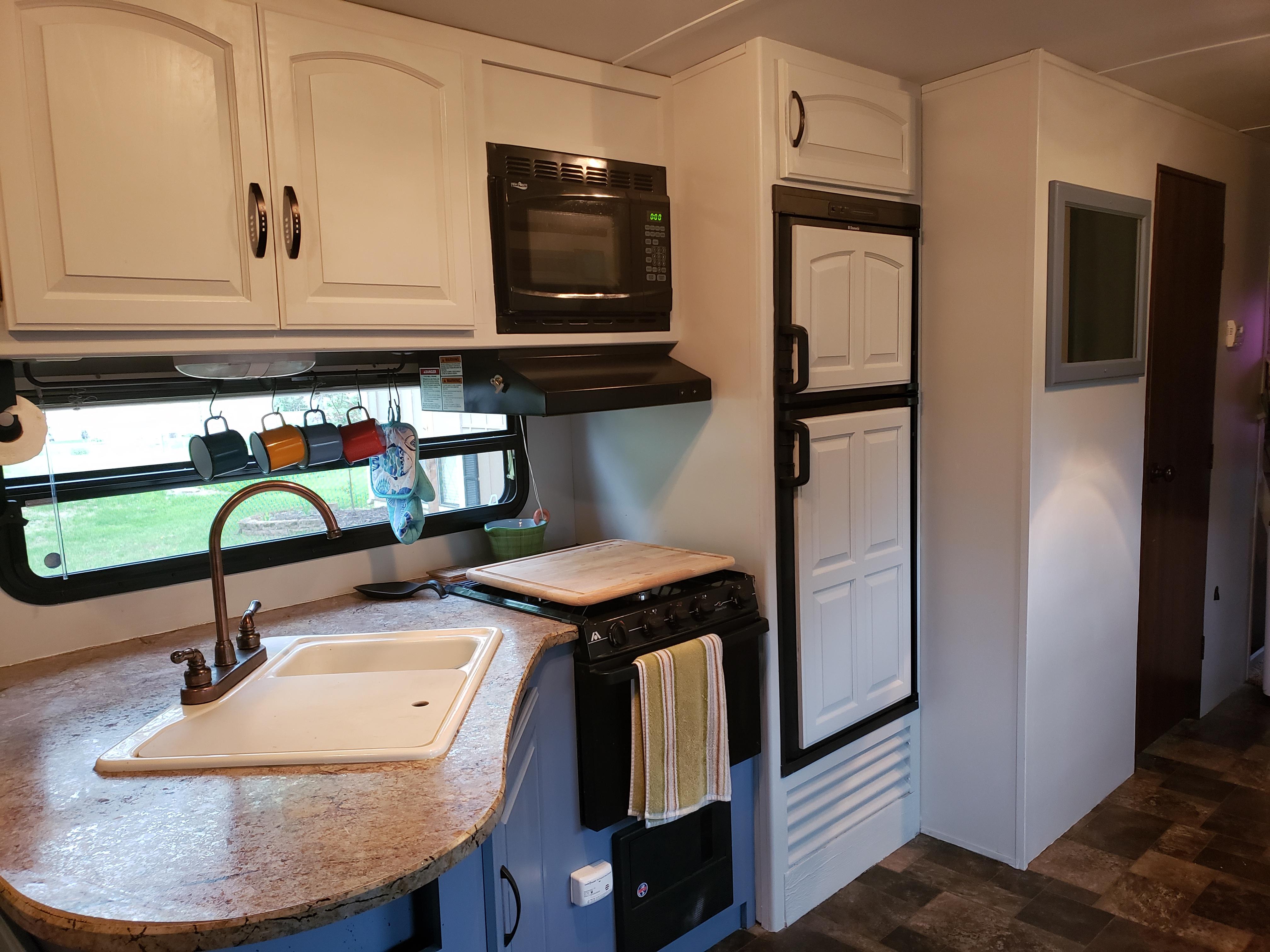 Full Kitchen. Keystone Outback 2013