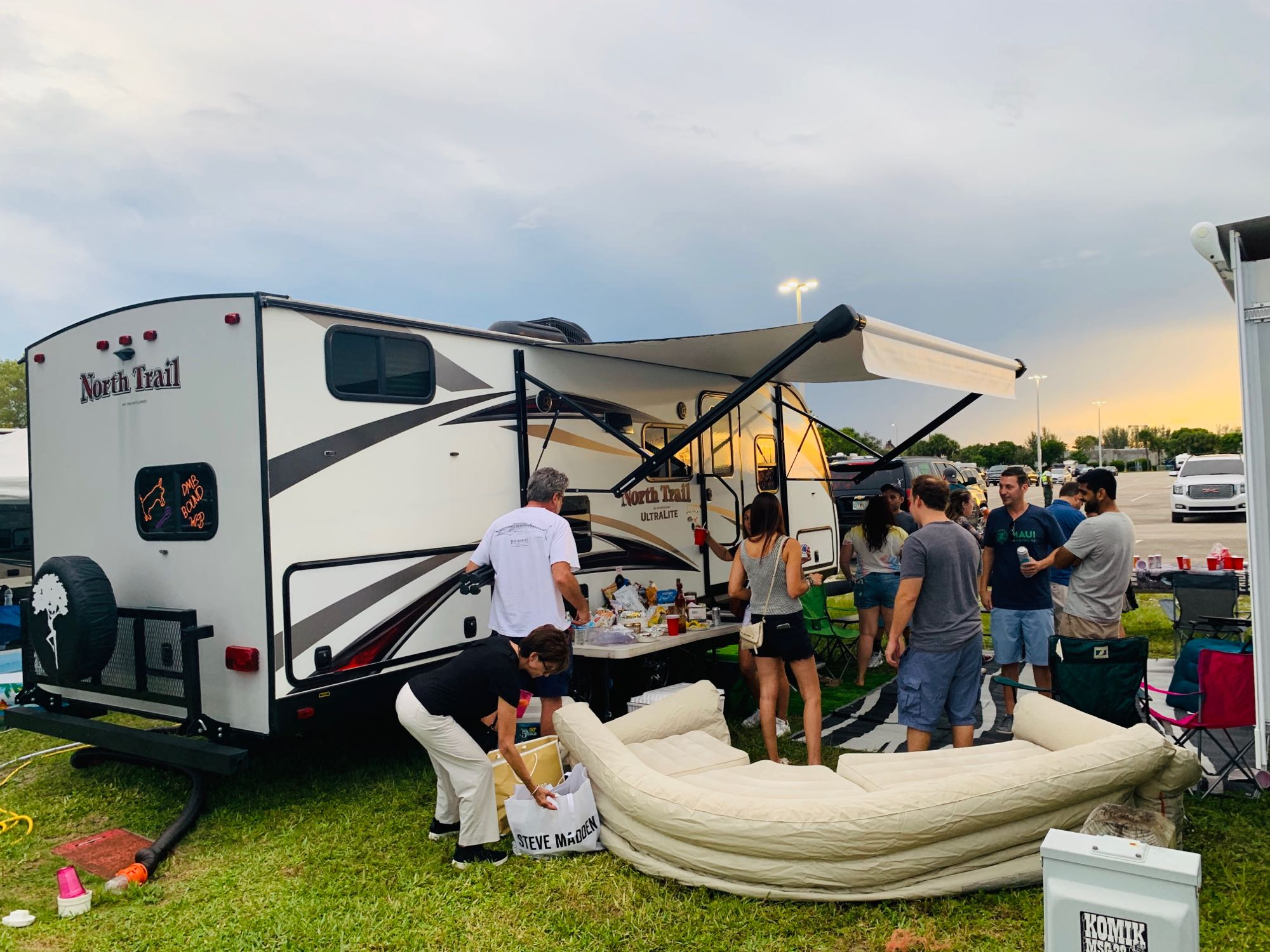 tailgating life. Heartland NorthTrail 2019