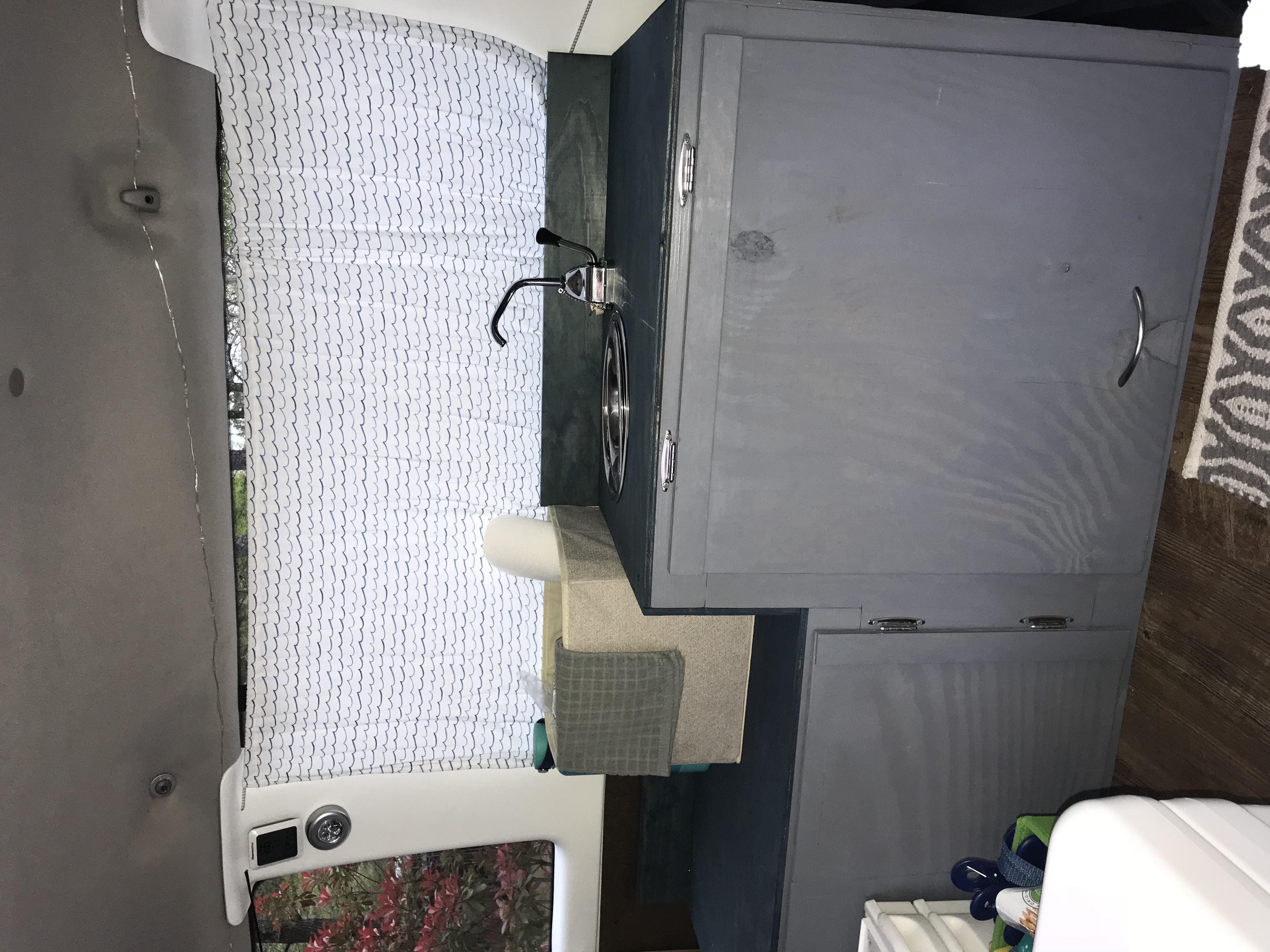 Kitchen sink and storage. Ford Econoline 2005