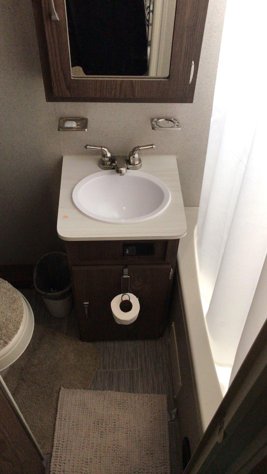 Clean basin. Forest River Rockwood 2018