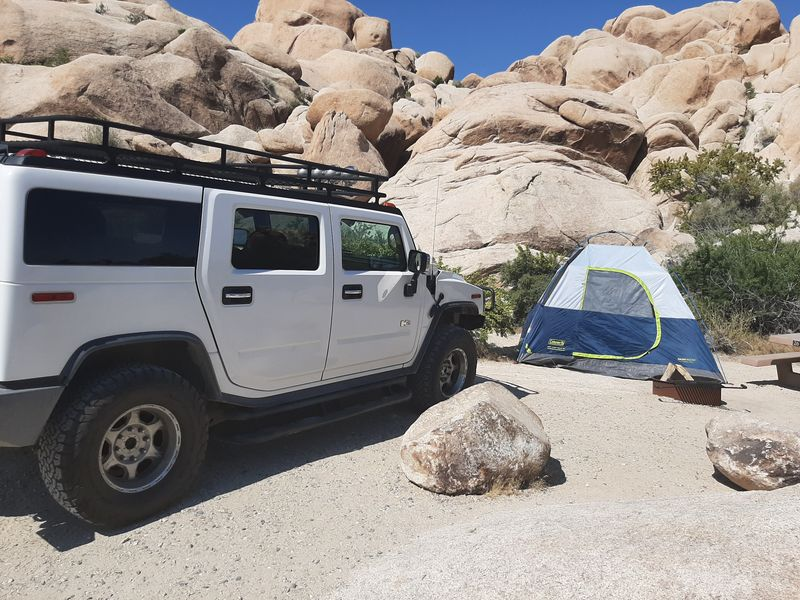 Camp in Joshua Tree. Hummer H2 2004