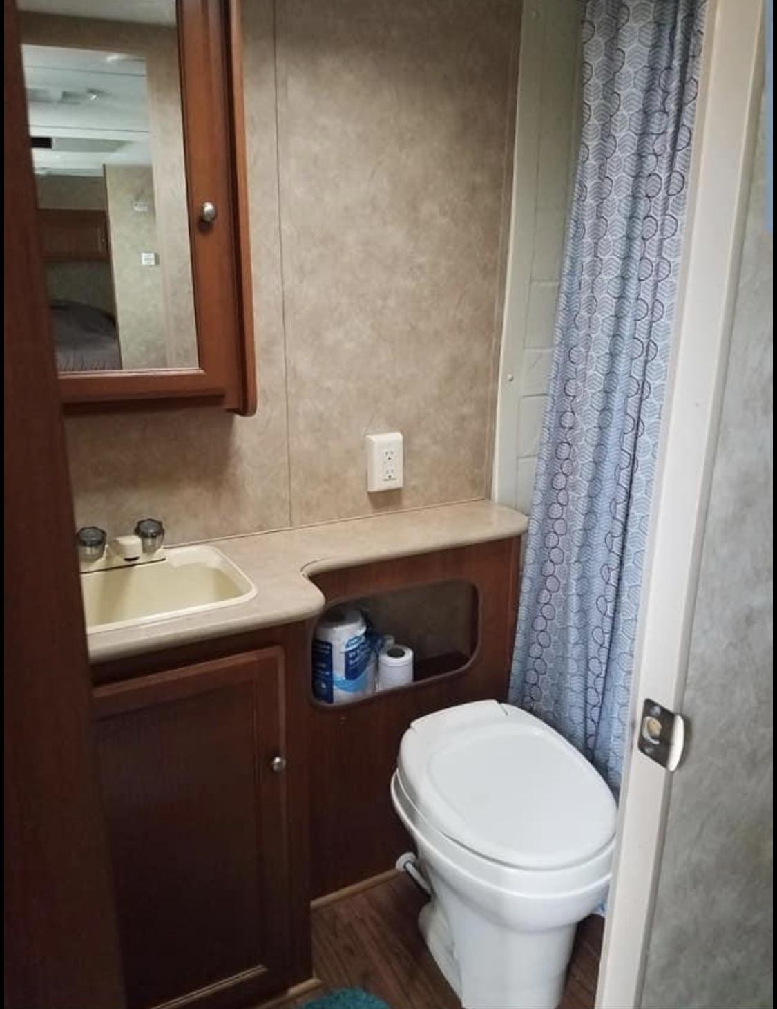 Private Bathroom. Skyline Layton 2009