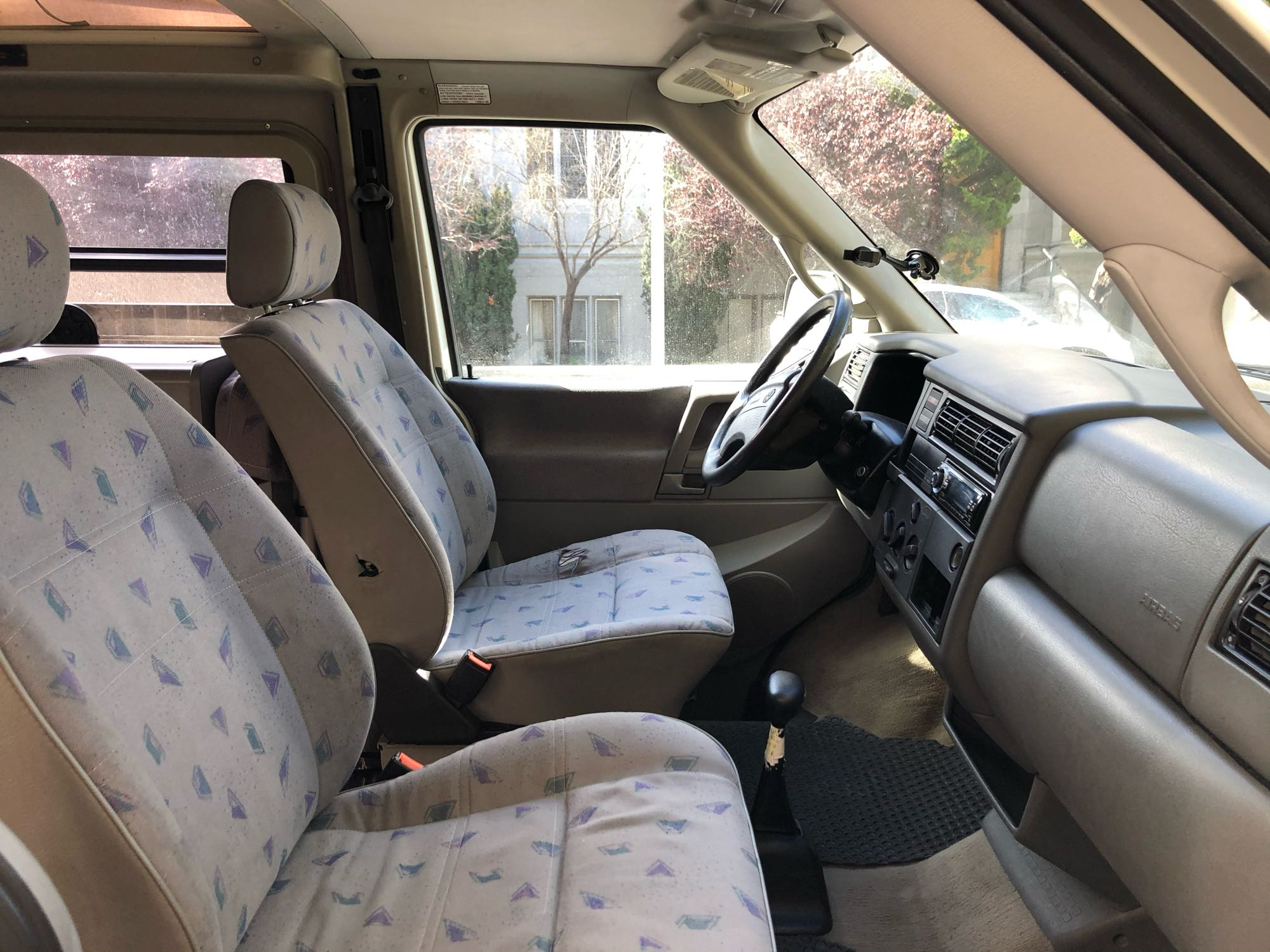It's easy to drive.. Volkswagen Eurovan Camper 1997