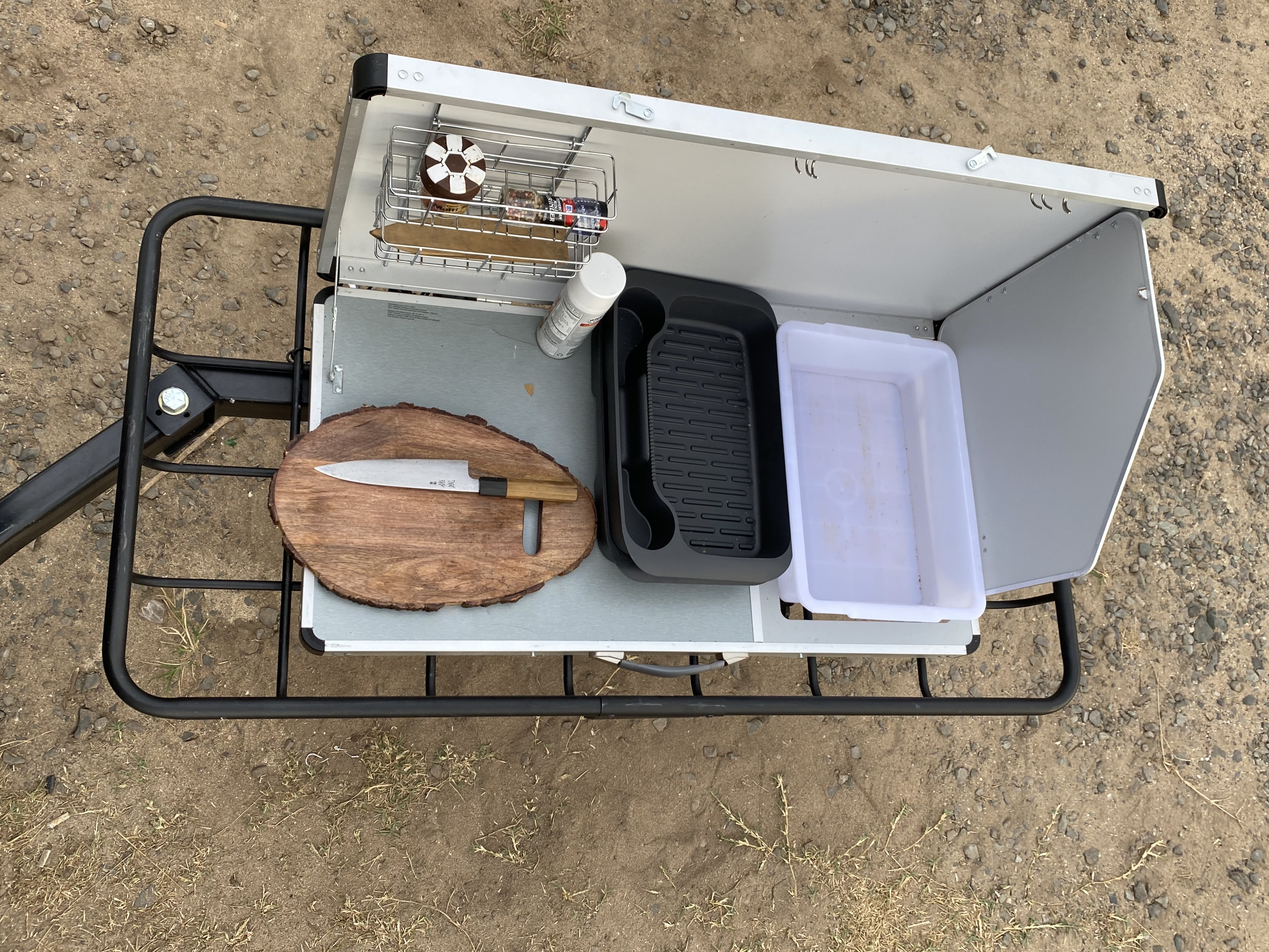 Convenient setup for cooking. Jeep Gladiator 2020
