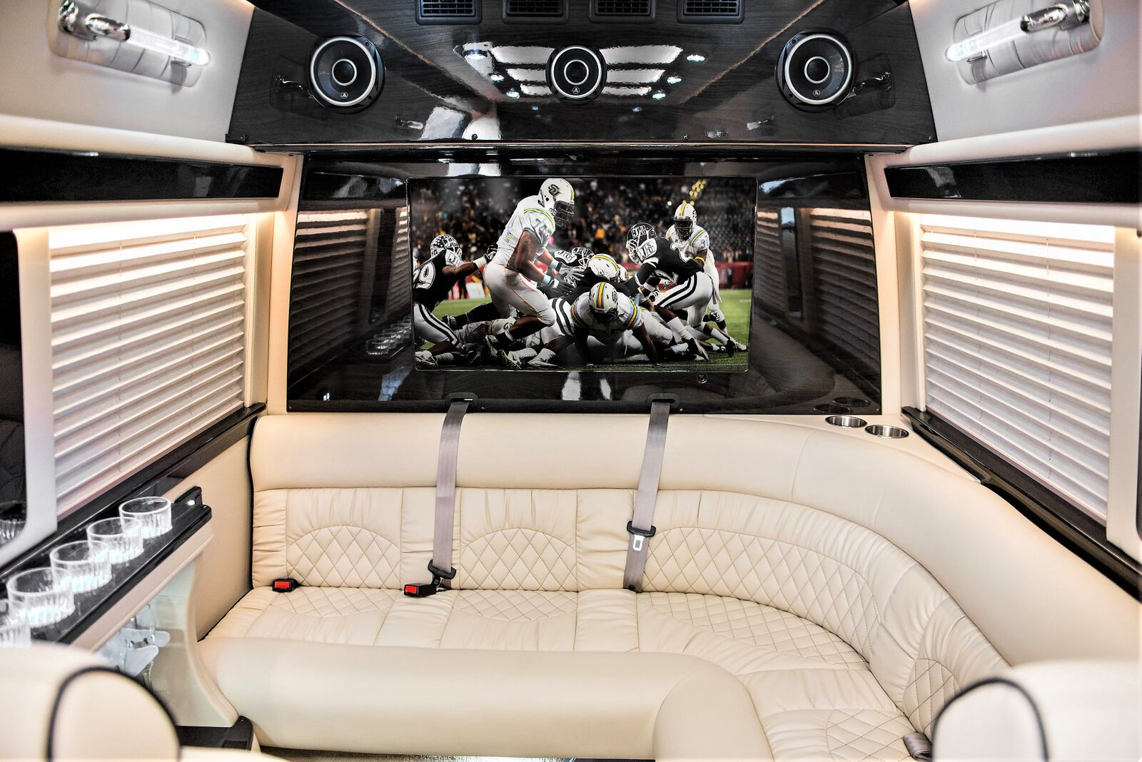 Rear J lounge seating. Mercedes Sprinter: Midwest Automotive Design Sprinter 2020