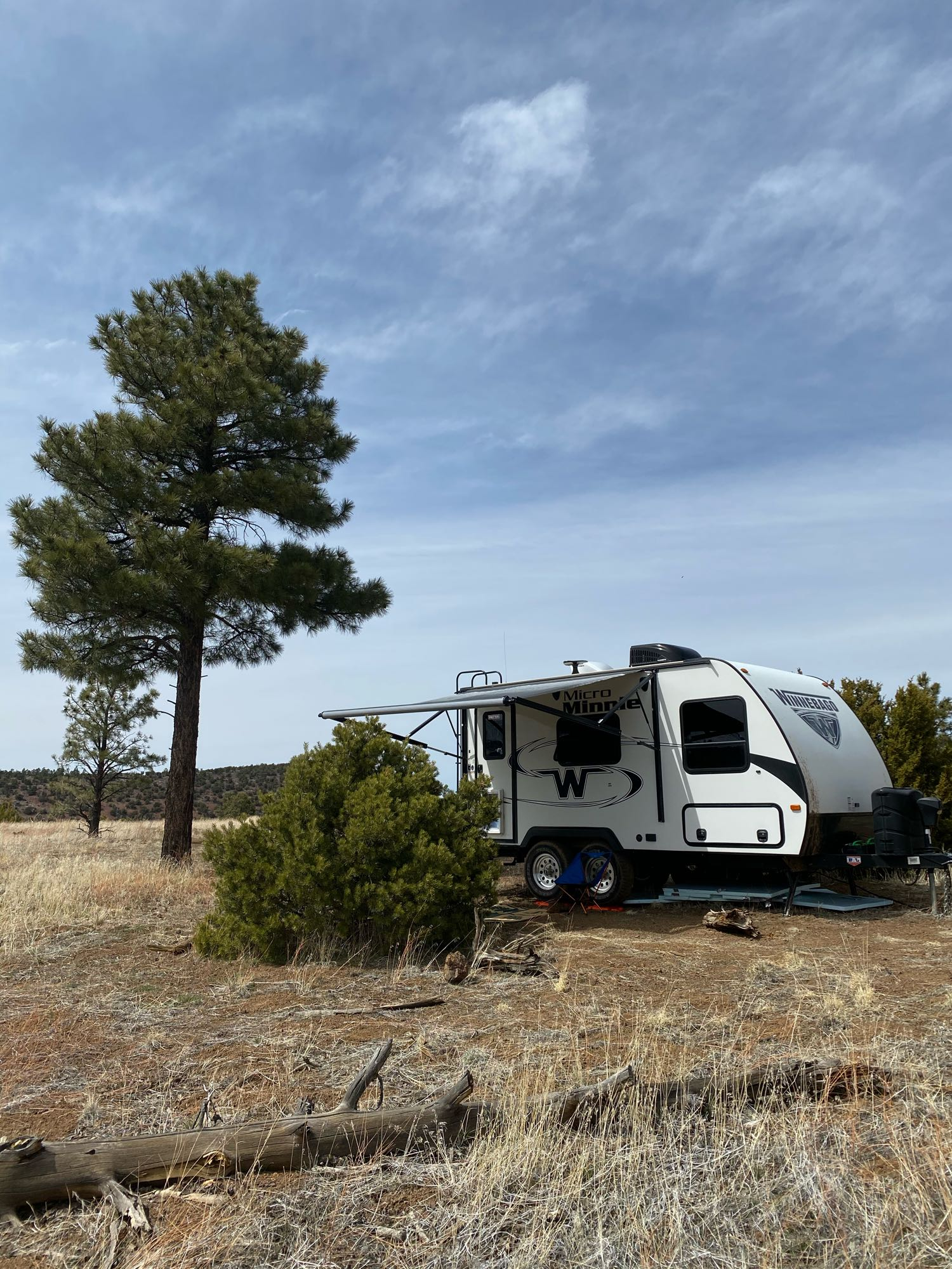great 10 foot power awning and LED exterior lights. Winnebago Micro Minnie 2018