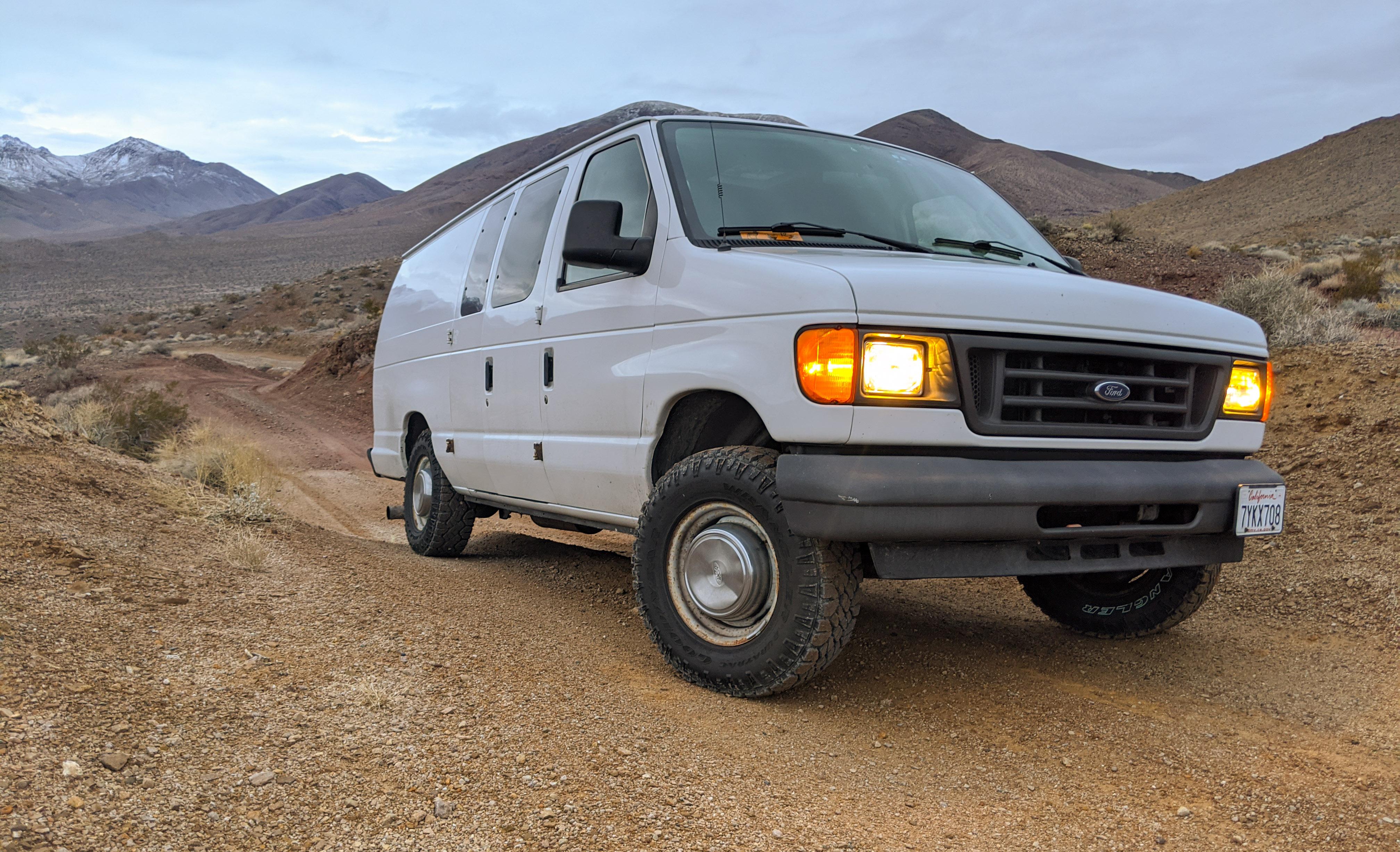 Ford E350 Super Cargo Van 2005