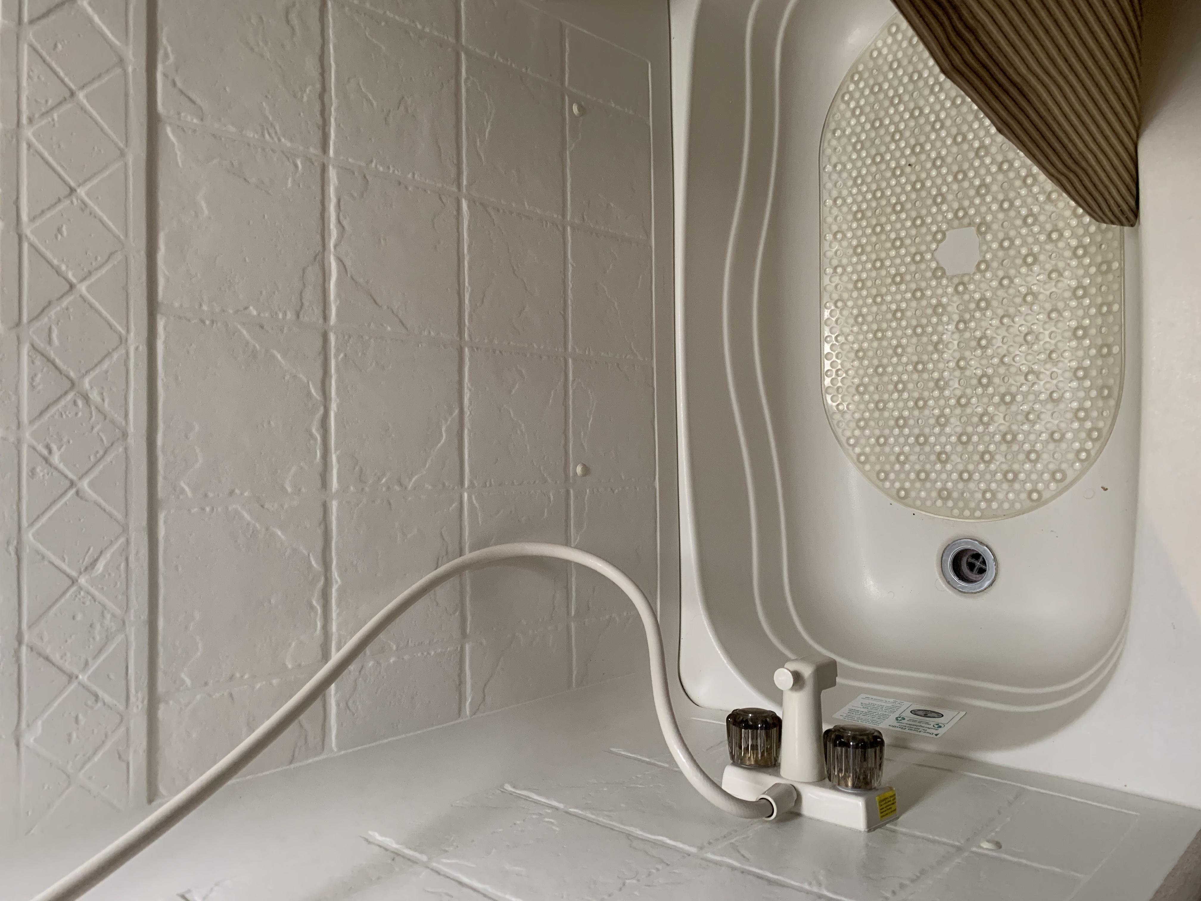 Shower/tub combk. Jayco JayFlight 2015