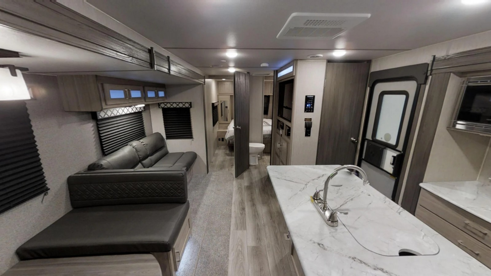 Bright, open and spacious!. Coachmen Freedom Express 2020