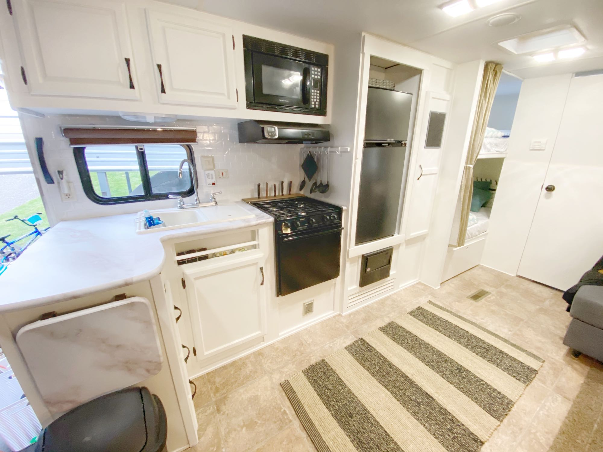 Incredible kitchen set up!. Outdoors Rv Manufacturing Creek Side 2012