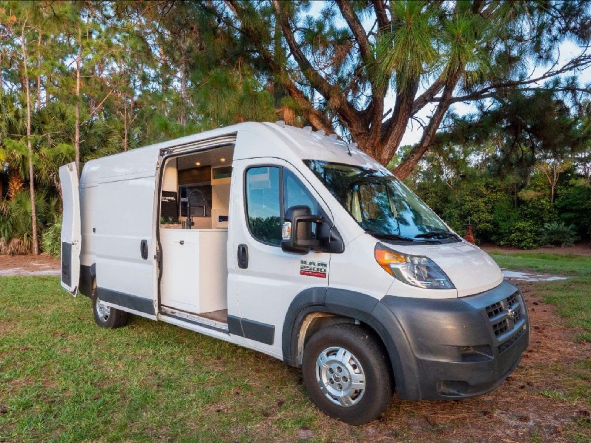 Dodge Ram Van Roadtrek 2014