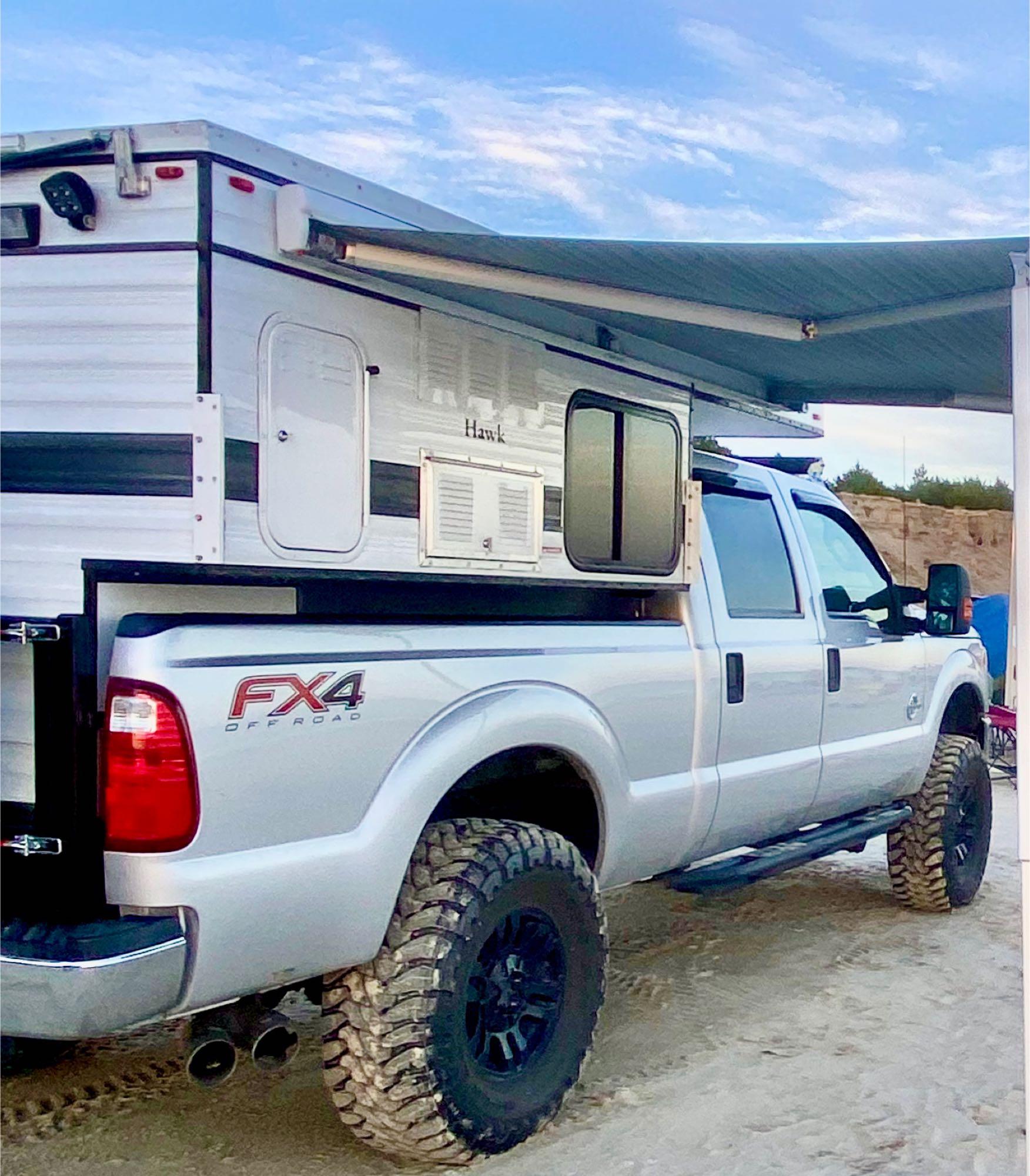 Four Wheel Campers Hawk 2019